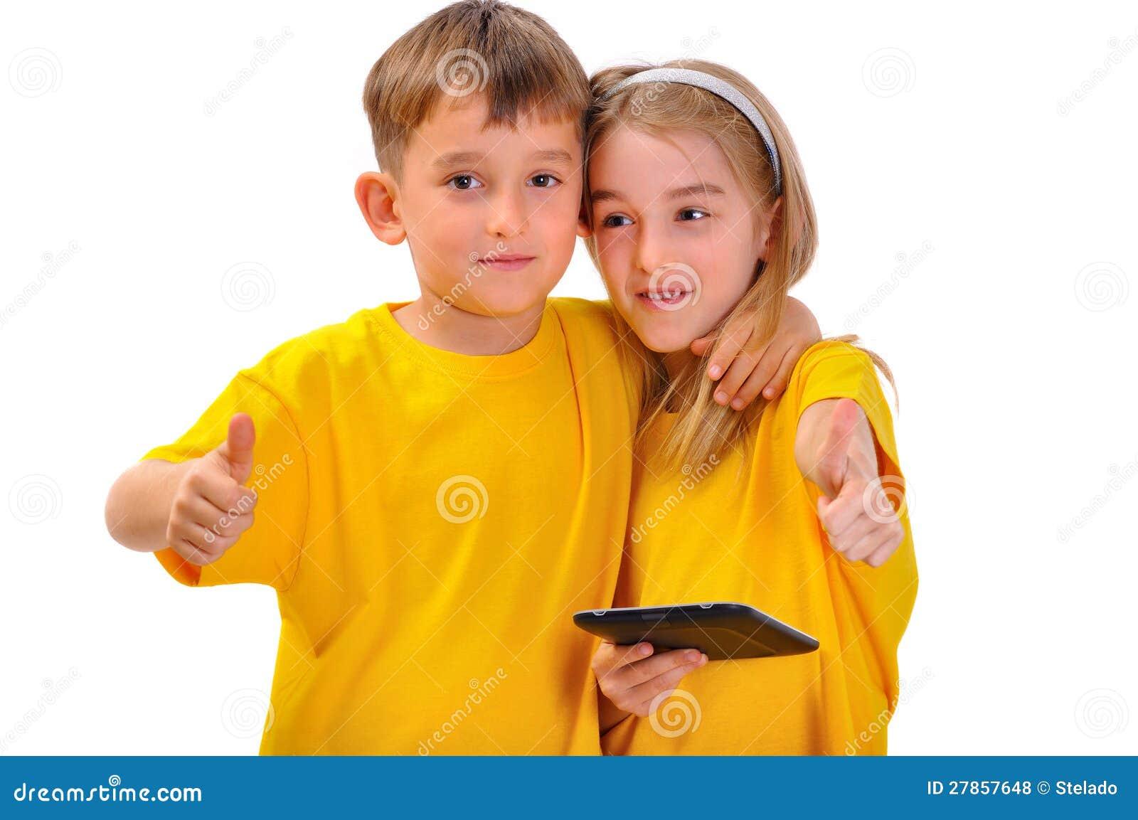 Chłopiec i dziewczyna jak rezerwujemy