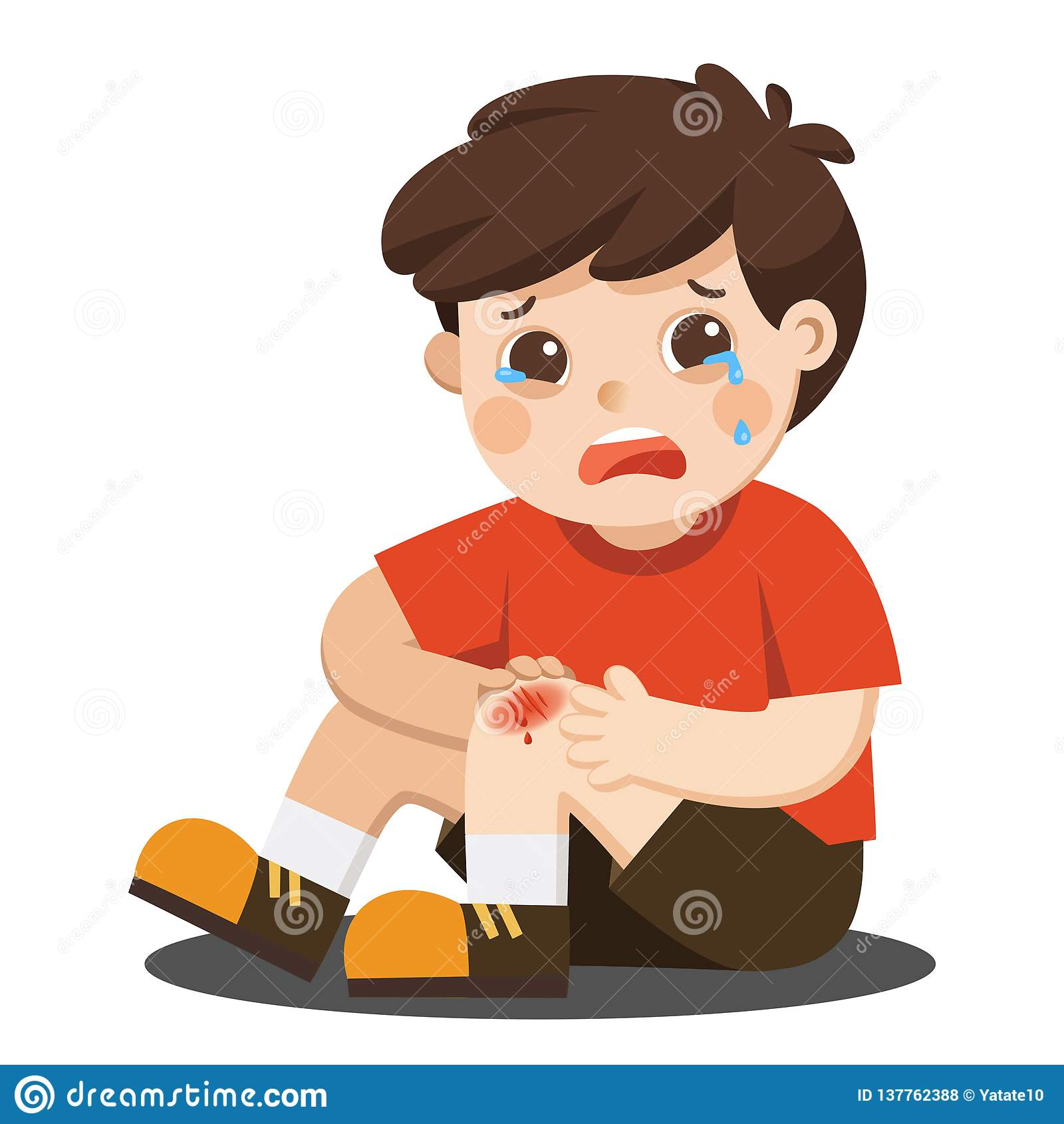 Chłopiec trzyma bolesnej rannej nogi kolanowego narys z krwionośnymi kapinosami Dziecko łamający kolano Krwawiący uraz kolana ból