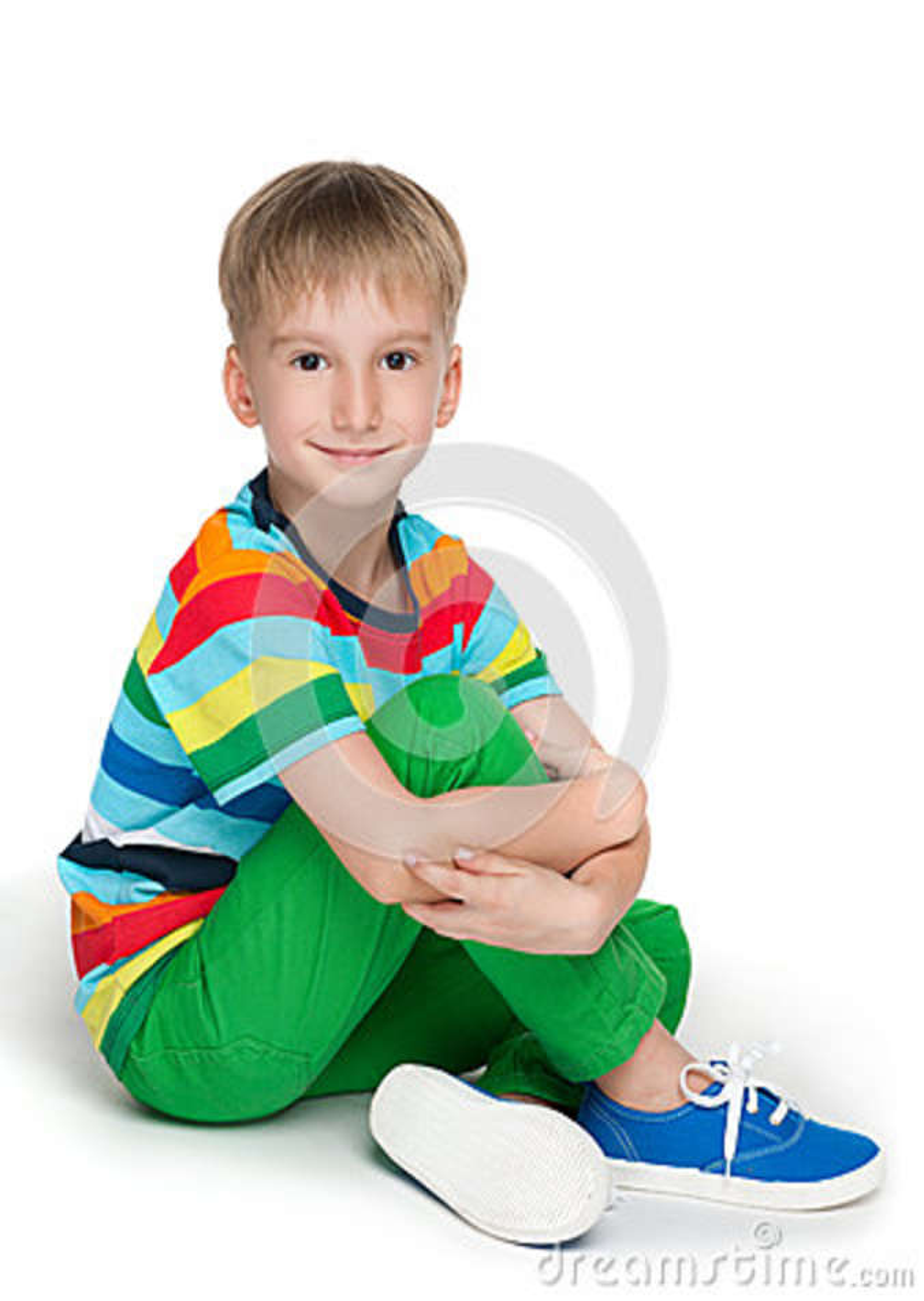 Chłopiec w pasiastej koszula