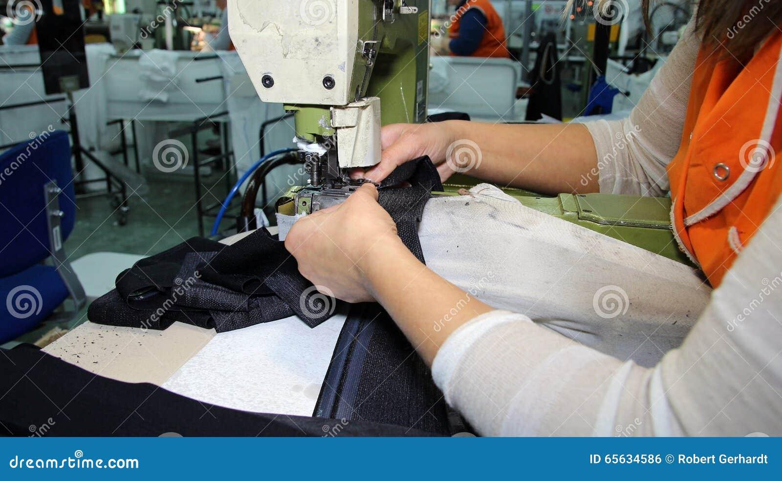 Chaîne de production dans une usine de couture