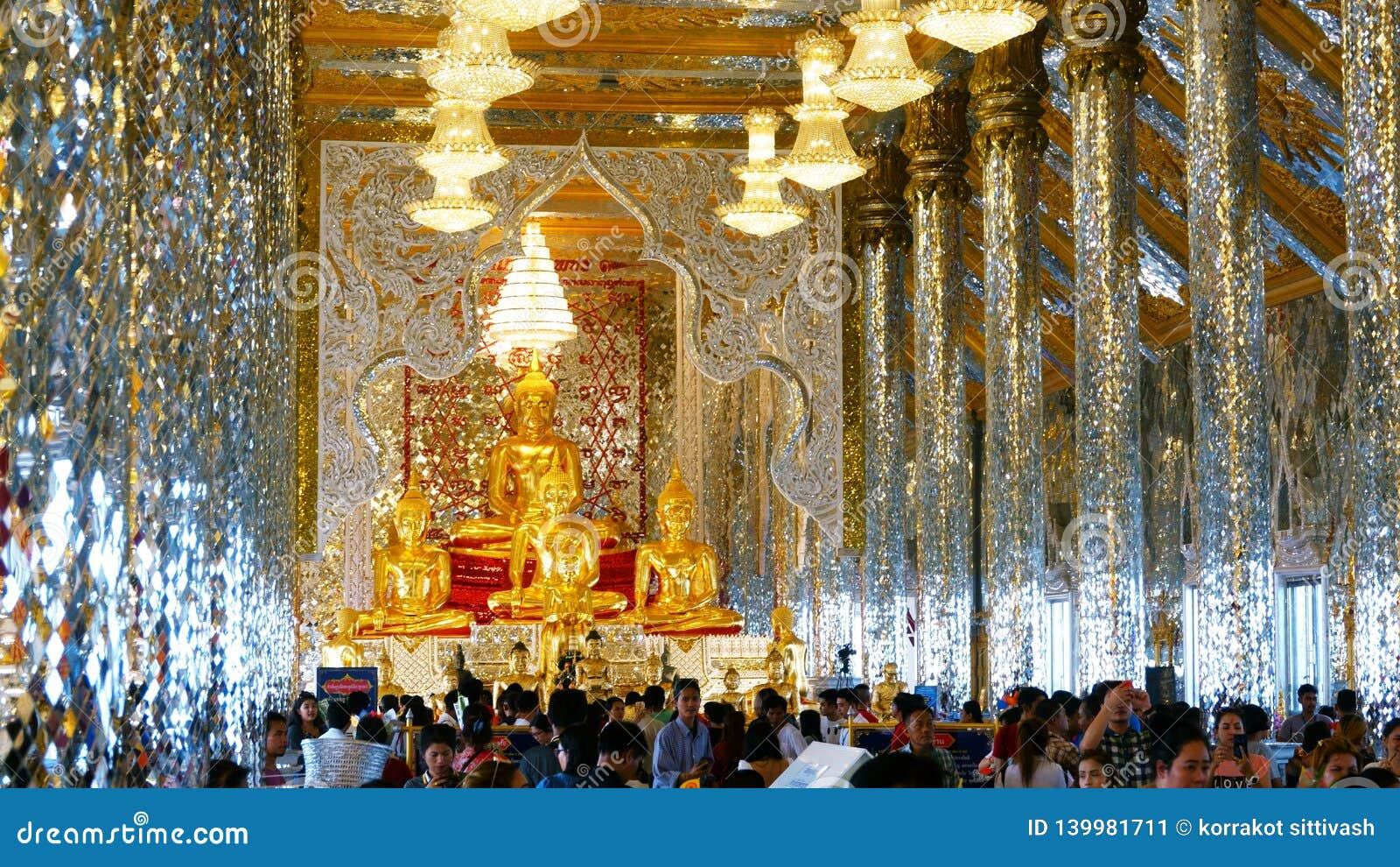 Chachoengseo,泰国2月3日2019年:在Wat Veerachote的菩萨雕象