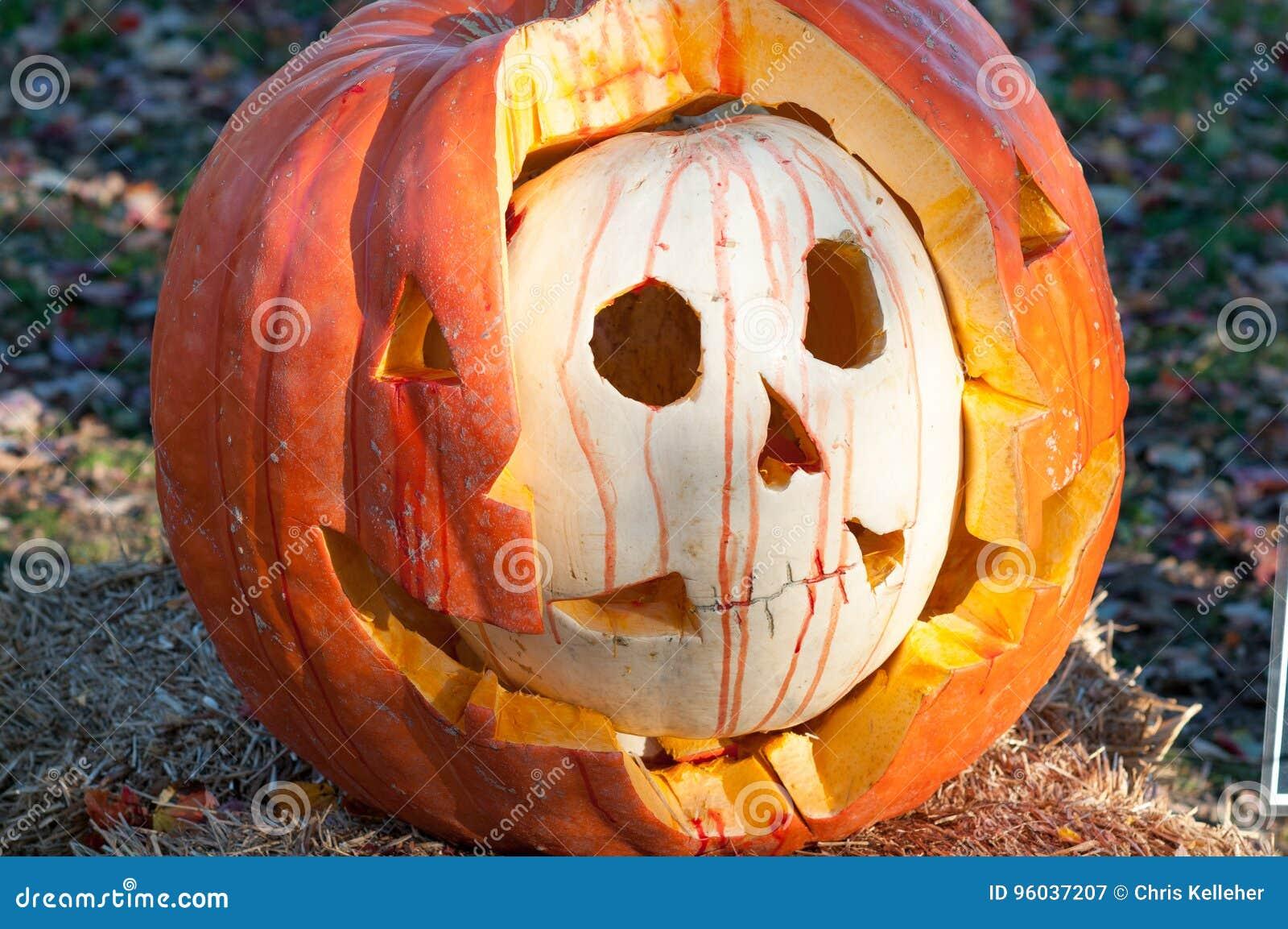 CHADDS福特, PA - 10月26日:伟大的南瓜雕刻2013年10月26日的Carve比赛
