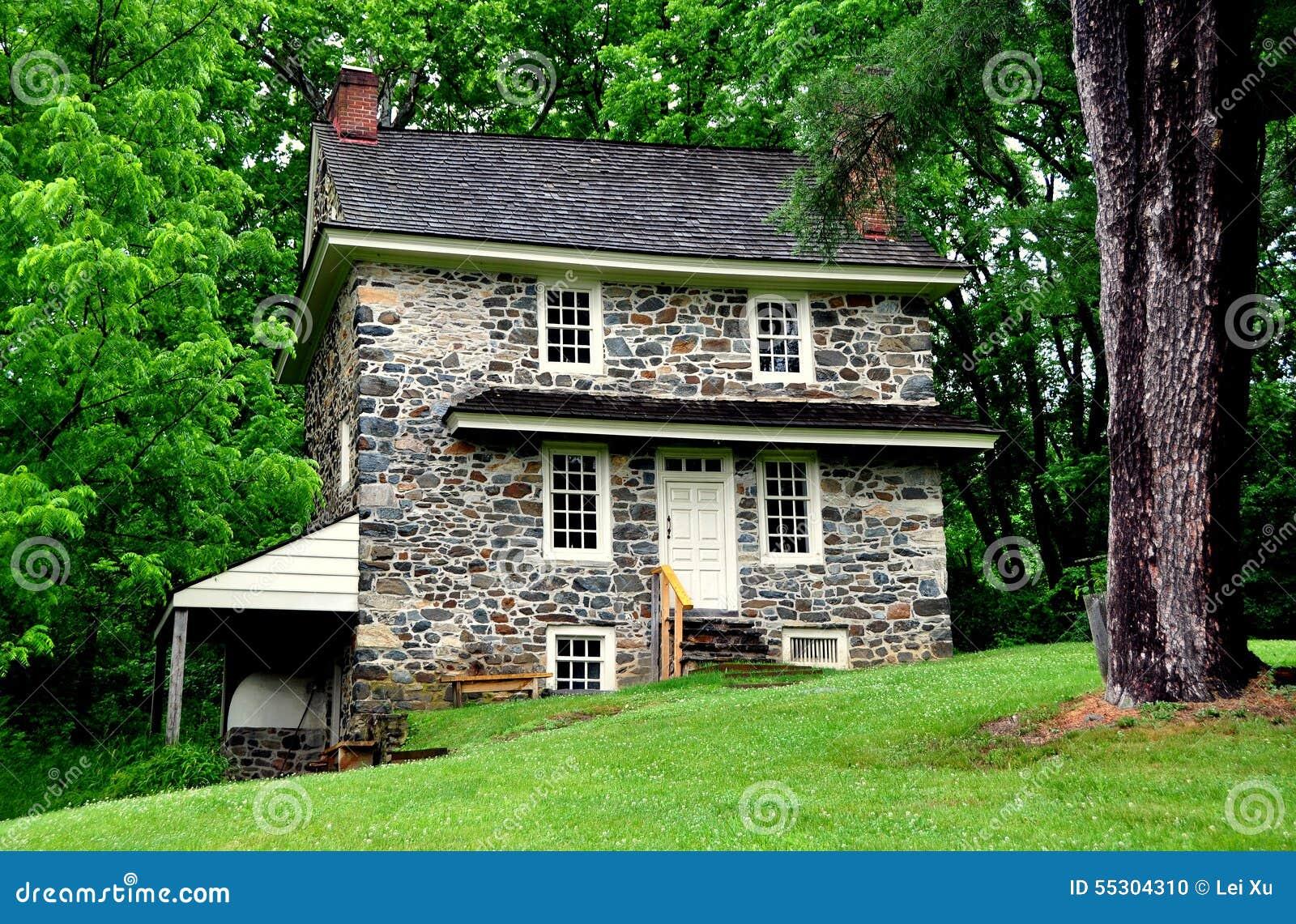 Fieldstone house plan - House interior
