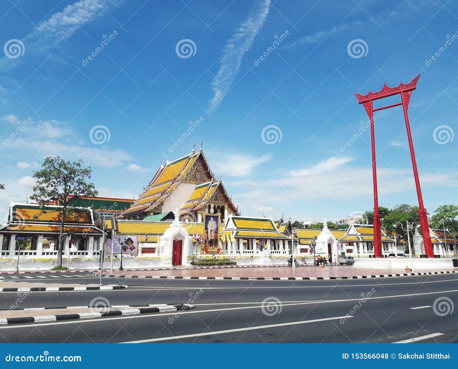 Chaen f?r ceremoni f?r den dragningsbangkok brahminen som ching f?rr j?tte- gammala en religi?sa den anv?nda thailand f?r swing f