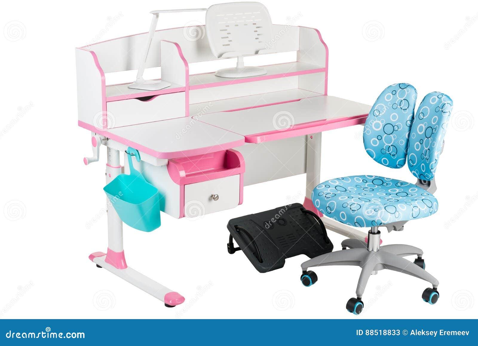Chaise bleue bureau rose d école panier bleu lampe de bureau et