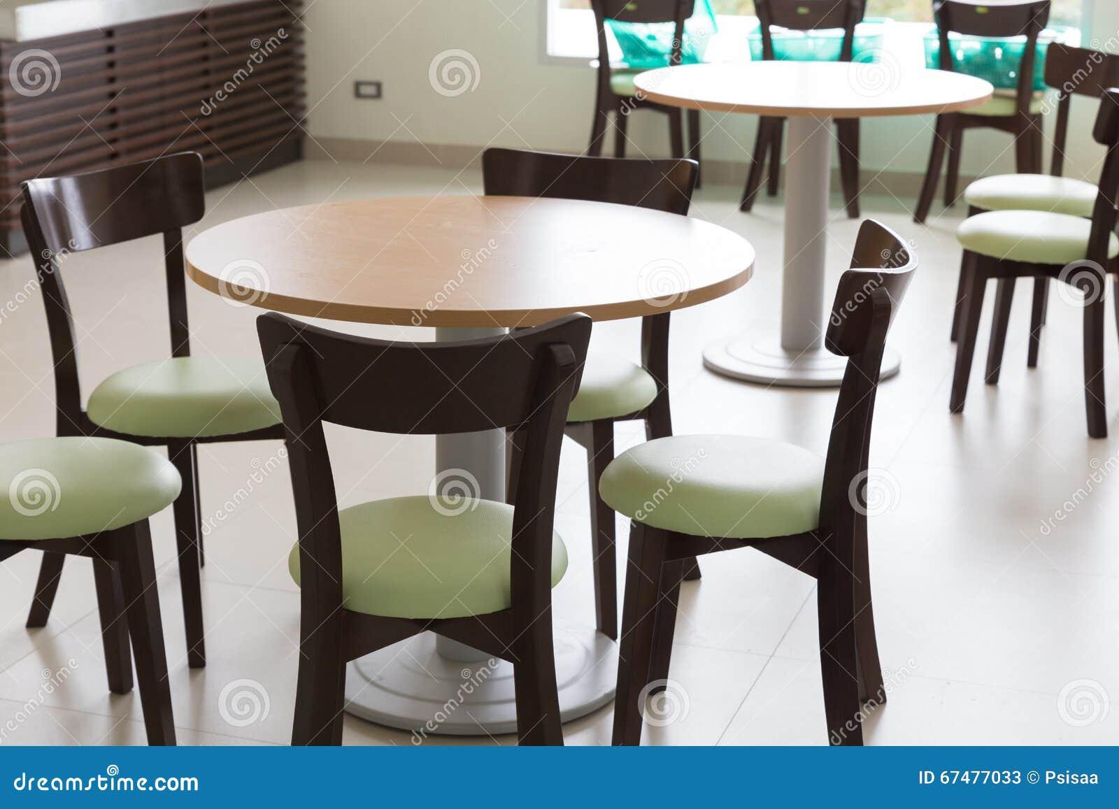 Chaise En Bois Et De Table L Espace Restauration