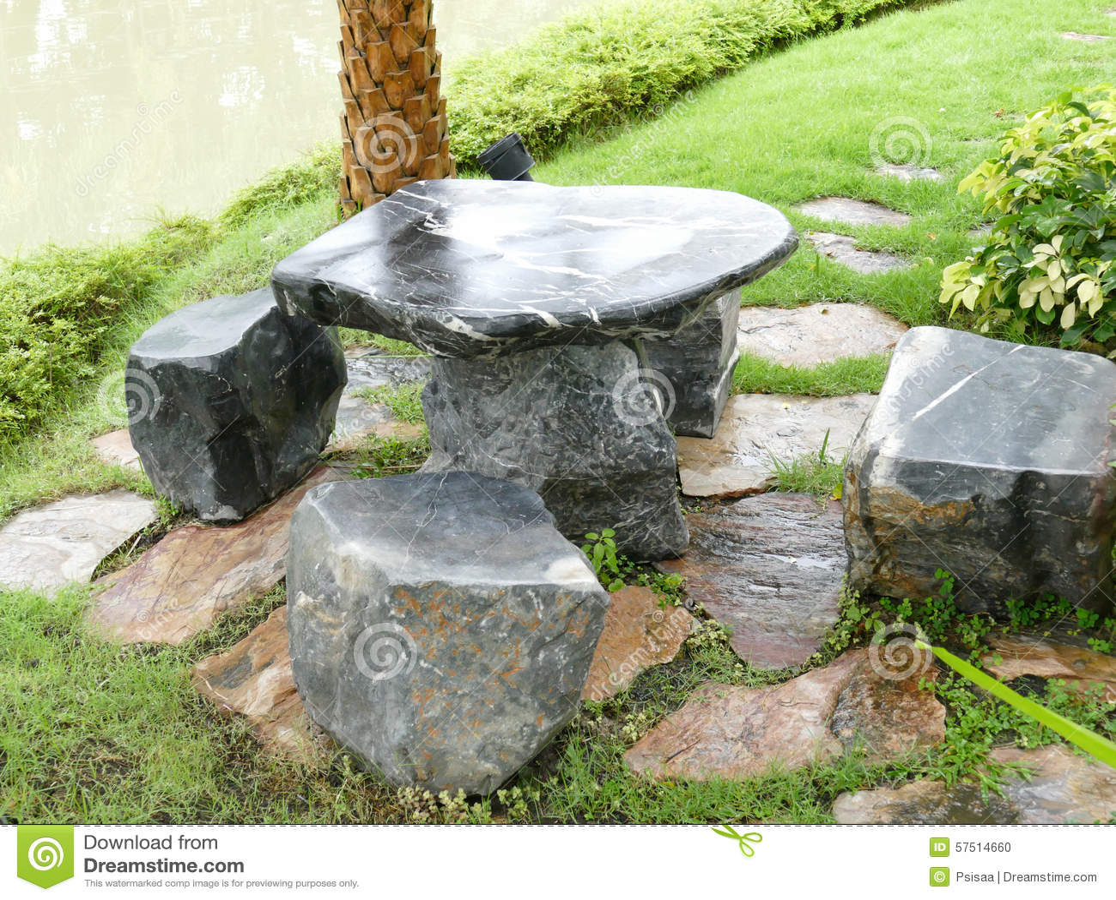 Chaise et bureau en pierre dans le jardin photo stock image du