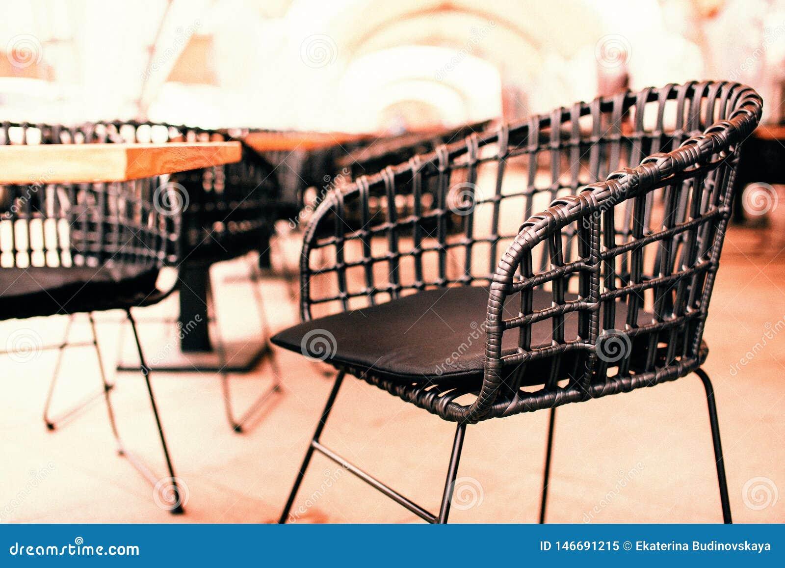 Chaise extérieure en osier