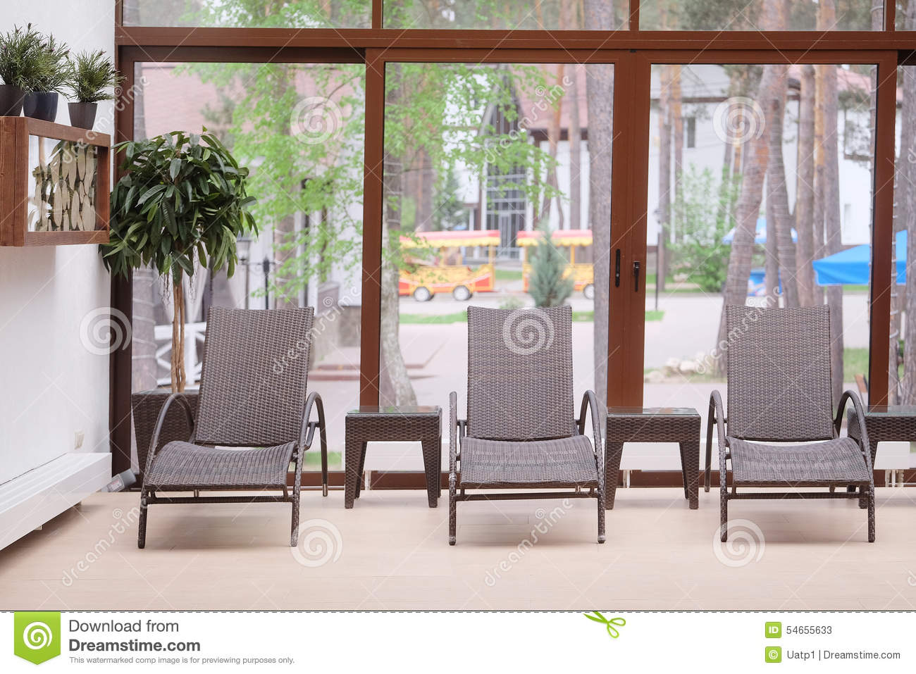 Chaise longues in a spa stock image image of fitness for Chaise longue salon