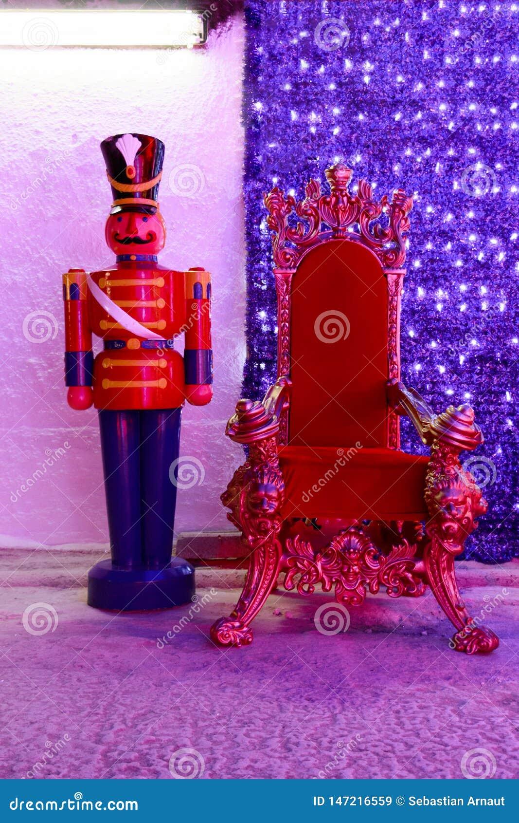 Chaise rouge de Noël