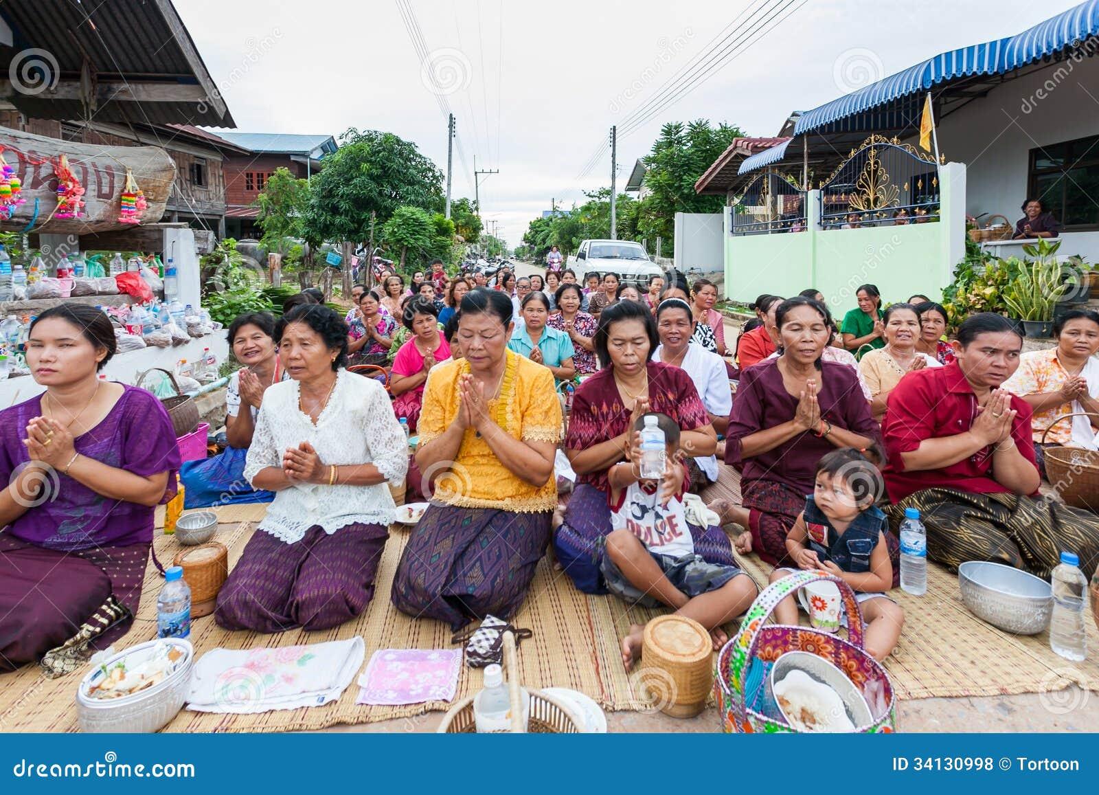 Chaiyaphum Thailand  city photo : CHAIYAPHUM,THAILAND May 15 : Unidentified the buddhists pray to monks ...