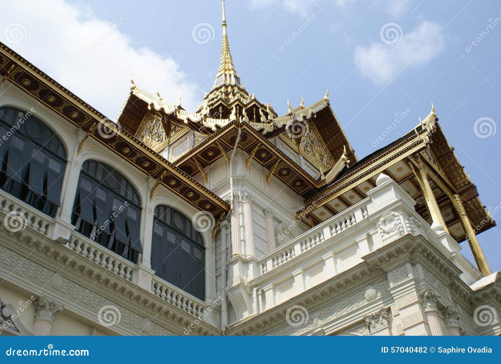 Chakri Maha Prasat In The Grand Palace, Bangkok, Thailand ...