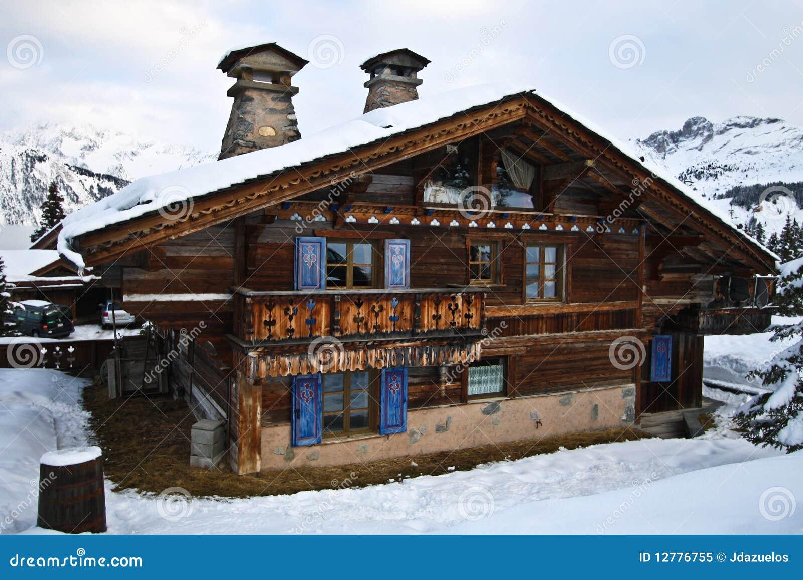 Abris de jardin - poulailler: Questions, conception et mise en oeuvre  Chalet-alpestre-suisse-12776755
