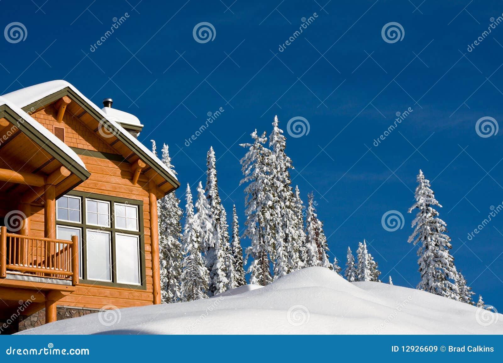 Chalet di inverno immagini stock libere da diritti for Disegni di chalet svizzeri