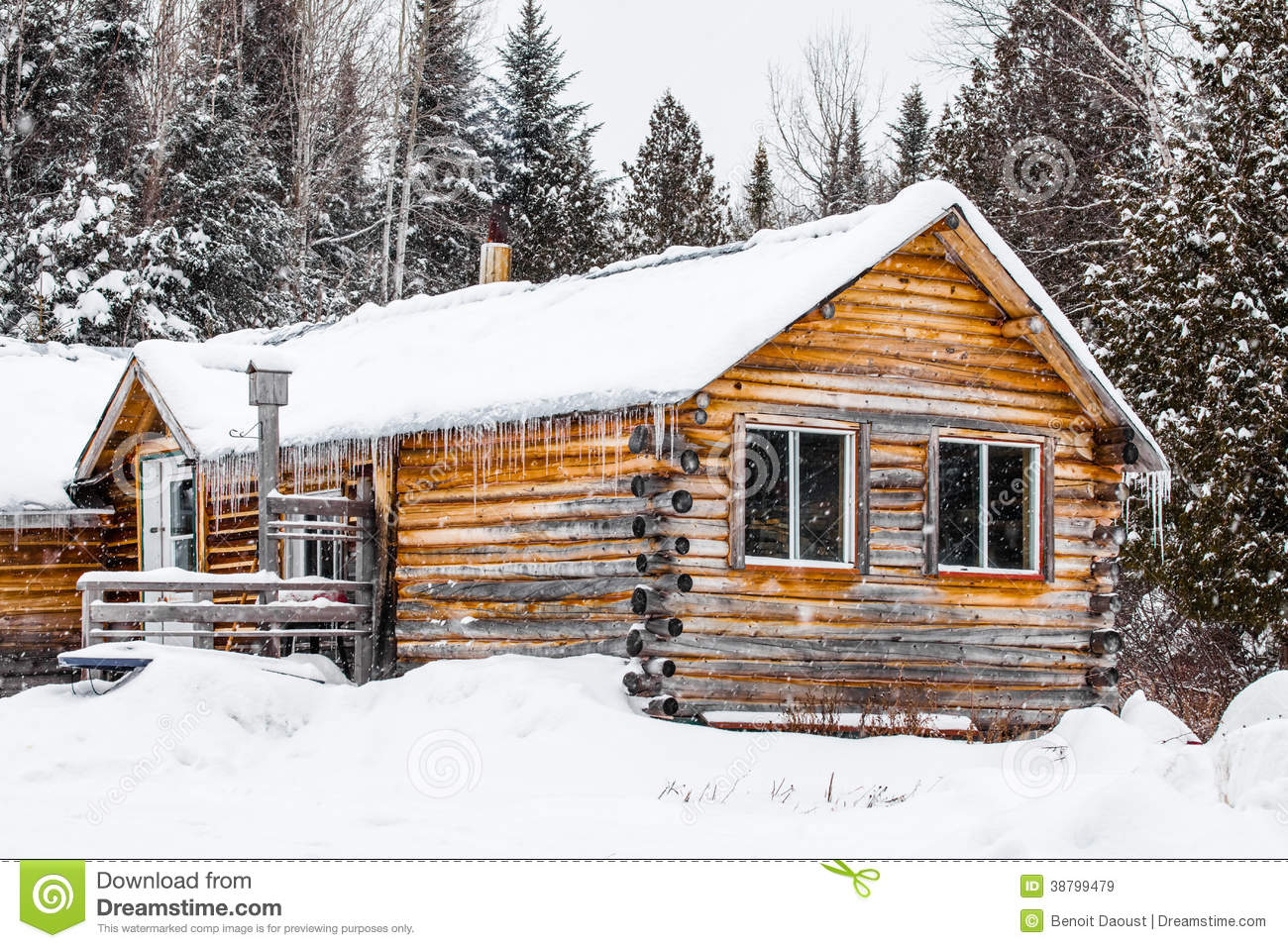 Chalet en bois de rondin au qu bec canada photo stock image 38799479 for Photo de maison au canada