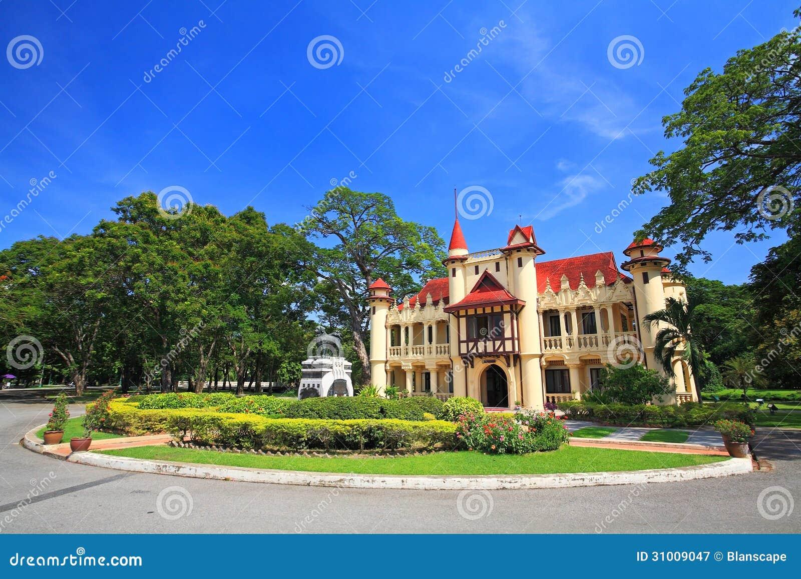Chali Mongkol Asana Of Sanam Chan Palace In Nakhon Pathom ...