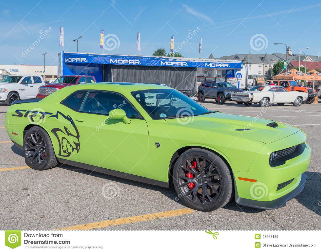 2015 Challenger Hellcat At The Woodward Dream Cruise ...