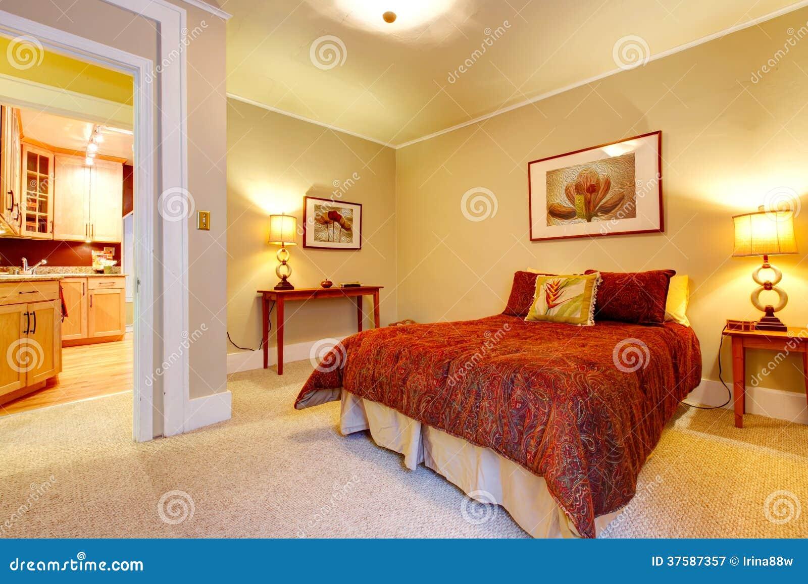 Chambre beige et rouge – lombards