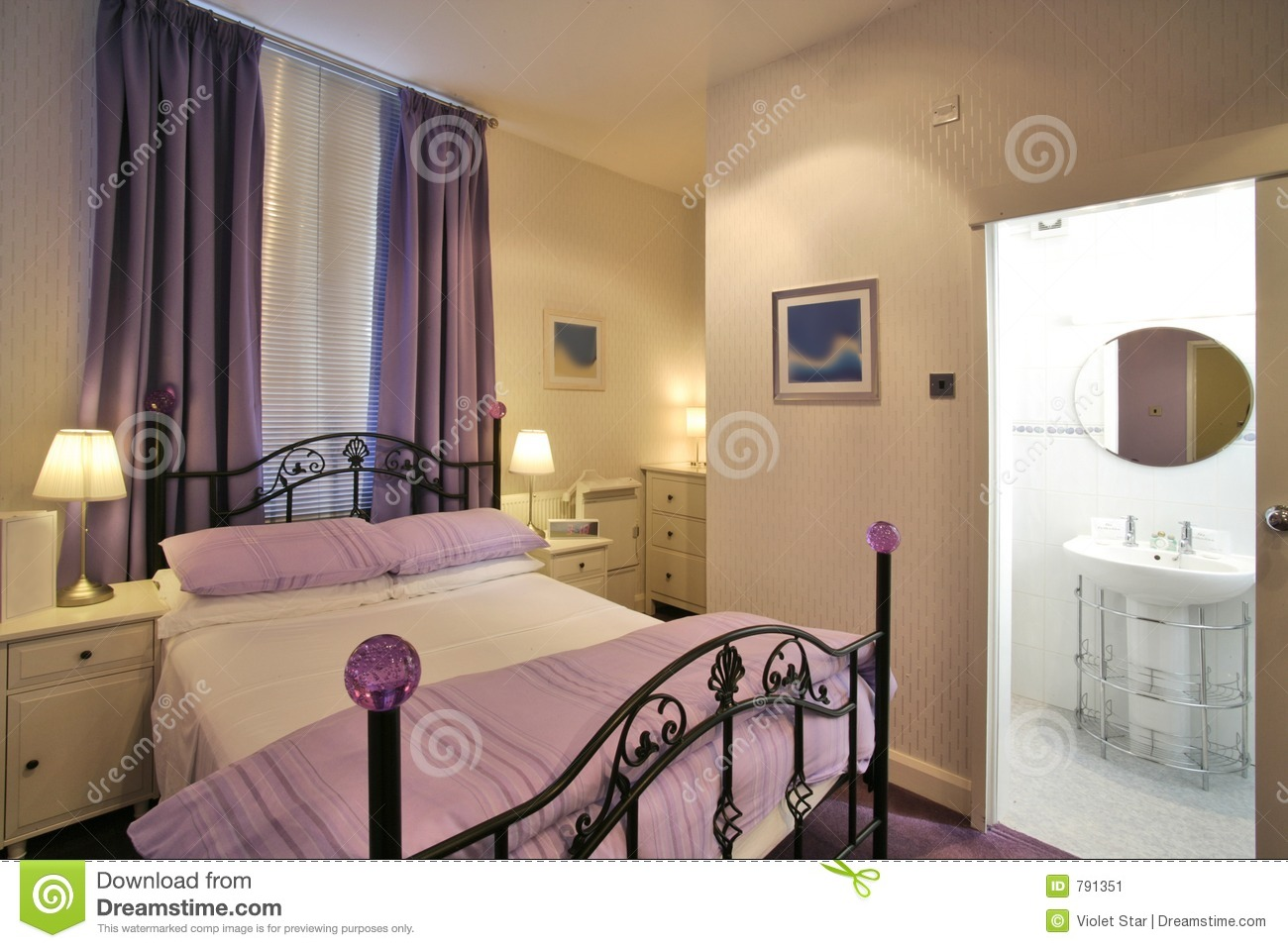 Decoration chambre coucher moderne for Photo de chambre a coucher