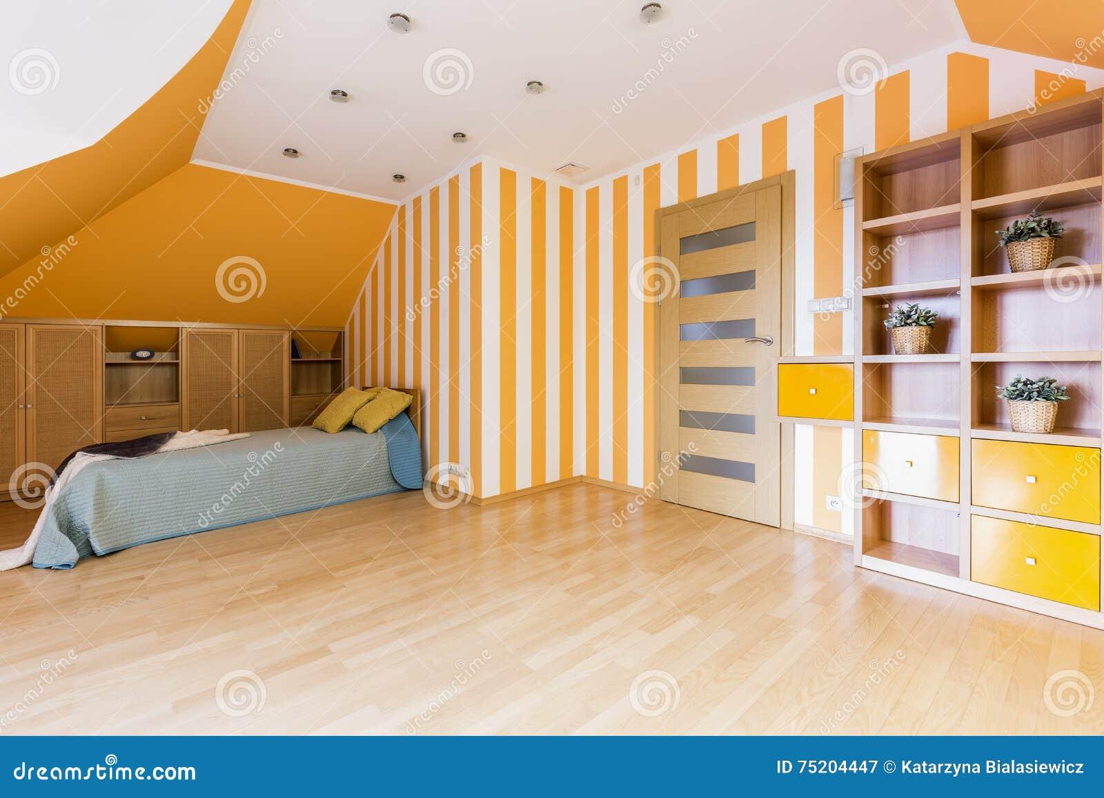 Chambre à Coucher énergique Dans Orange Et Blanc Image stock - Image ...