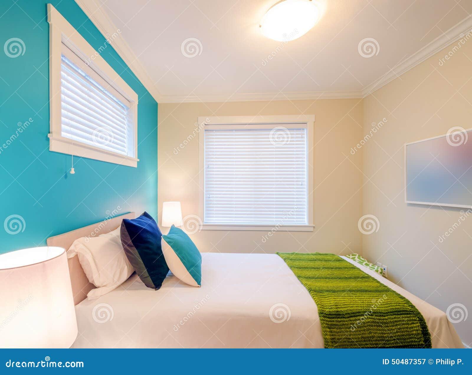 Chambre à Coucher Bleue Et Verte Confortable Conception ...
