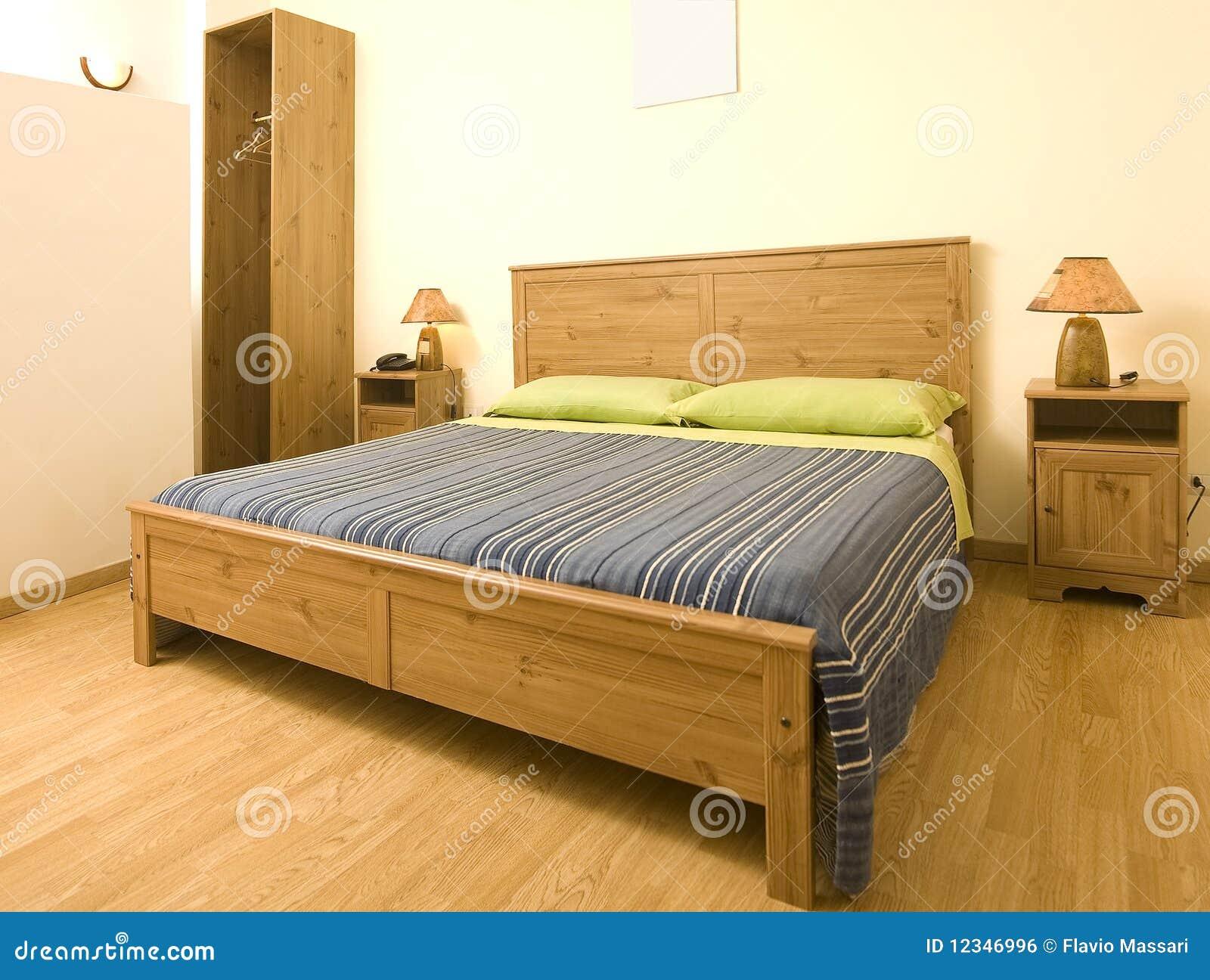 Chambre coucher confortable image libre de droits for Chambre libre