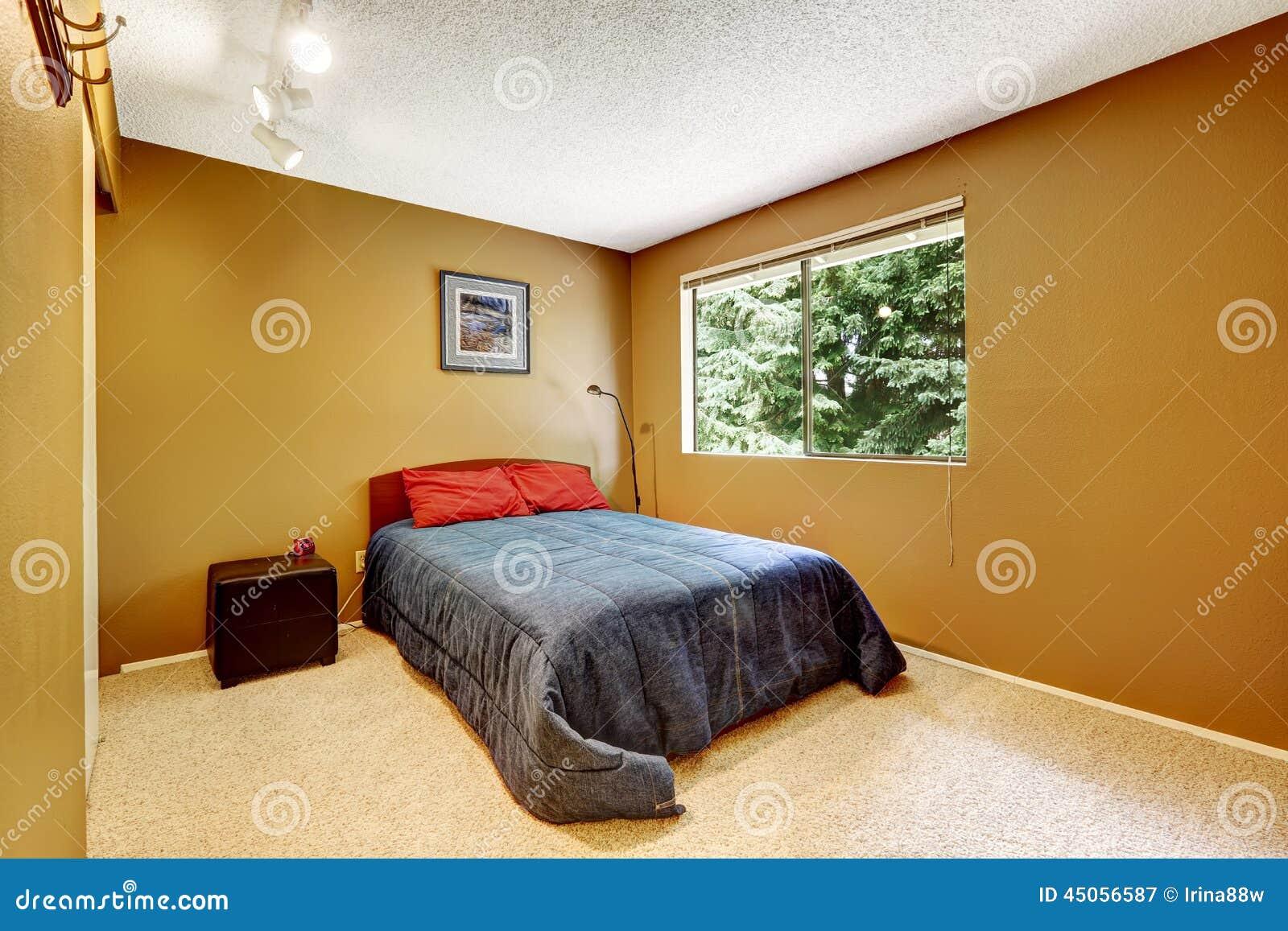 Chambre coucher confortable dans la couleur brune douce for Chambre 0 coucher