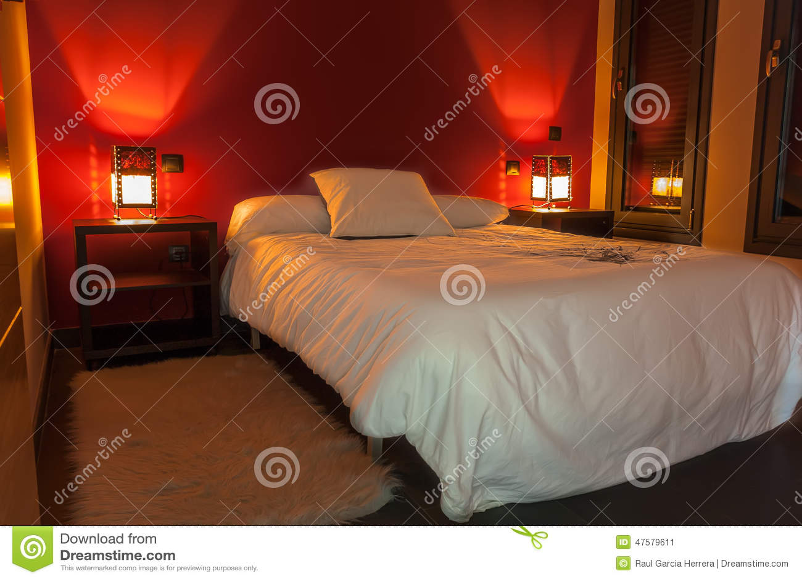 Chambre A Coucher Rouge Et Gris
