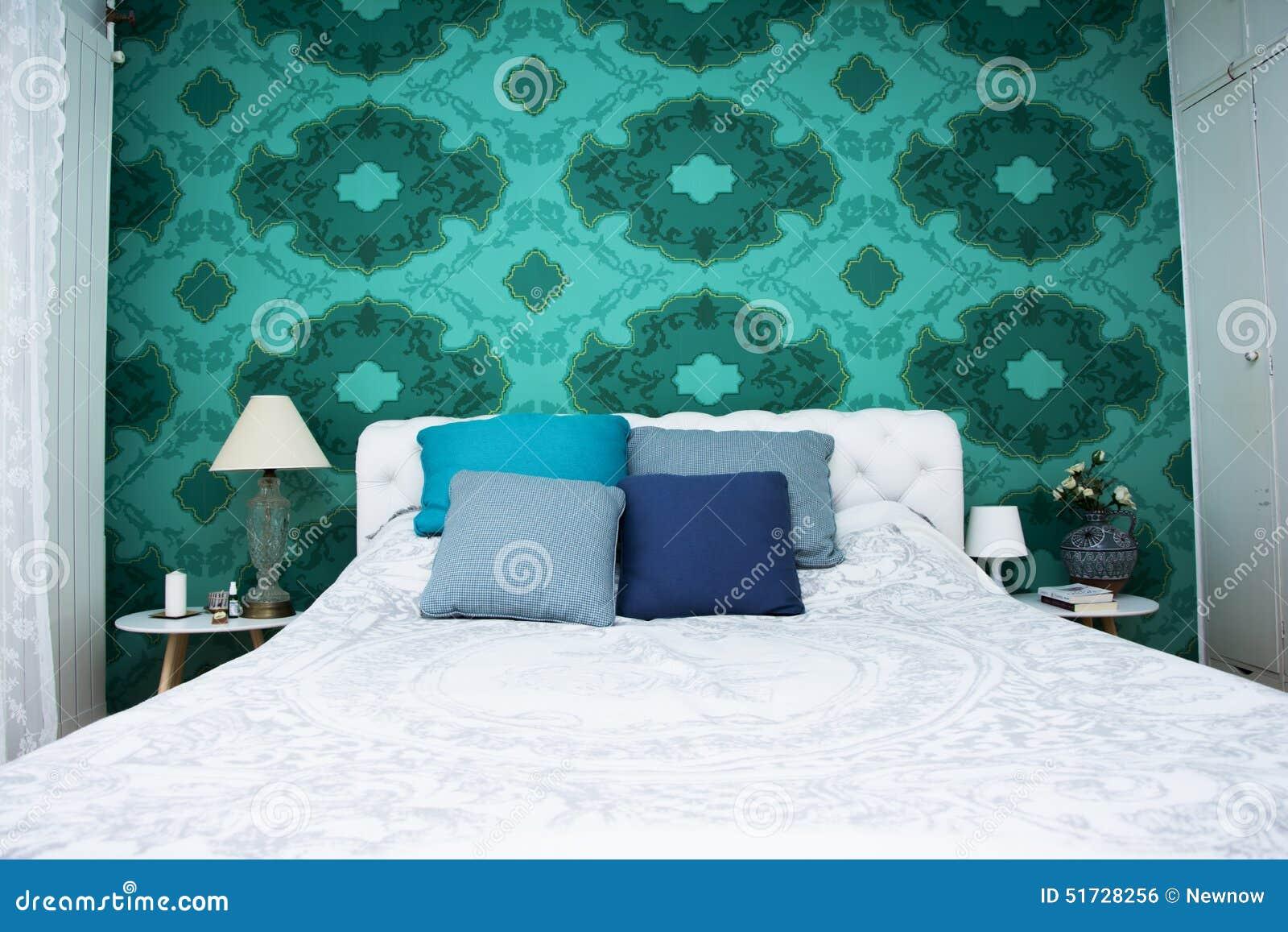 Conception De Chambre à Coucher Avec La Couleur Colorée De Papier Peint Et  De Turquoise Et Blanche