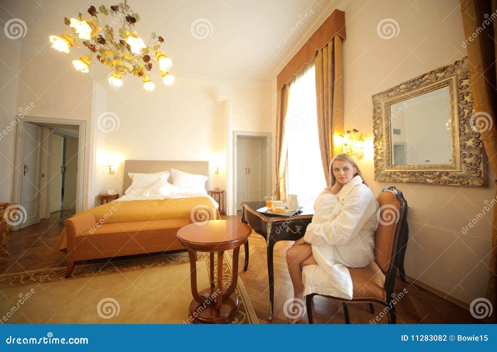chambre coucher de luxe photo stock image du reste. Black Bedroom Furniture Sets. Home Design Ideas