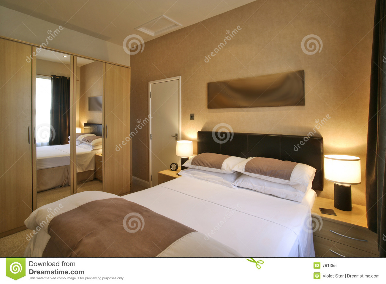 Chambre coucher de luxe image stock image du luxe for Chambre a coucher photo