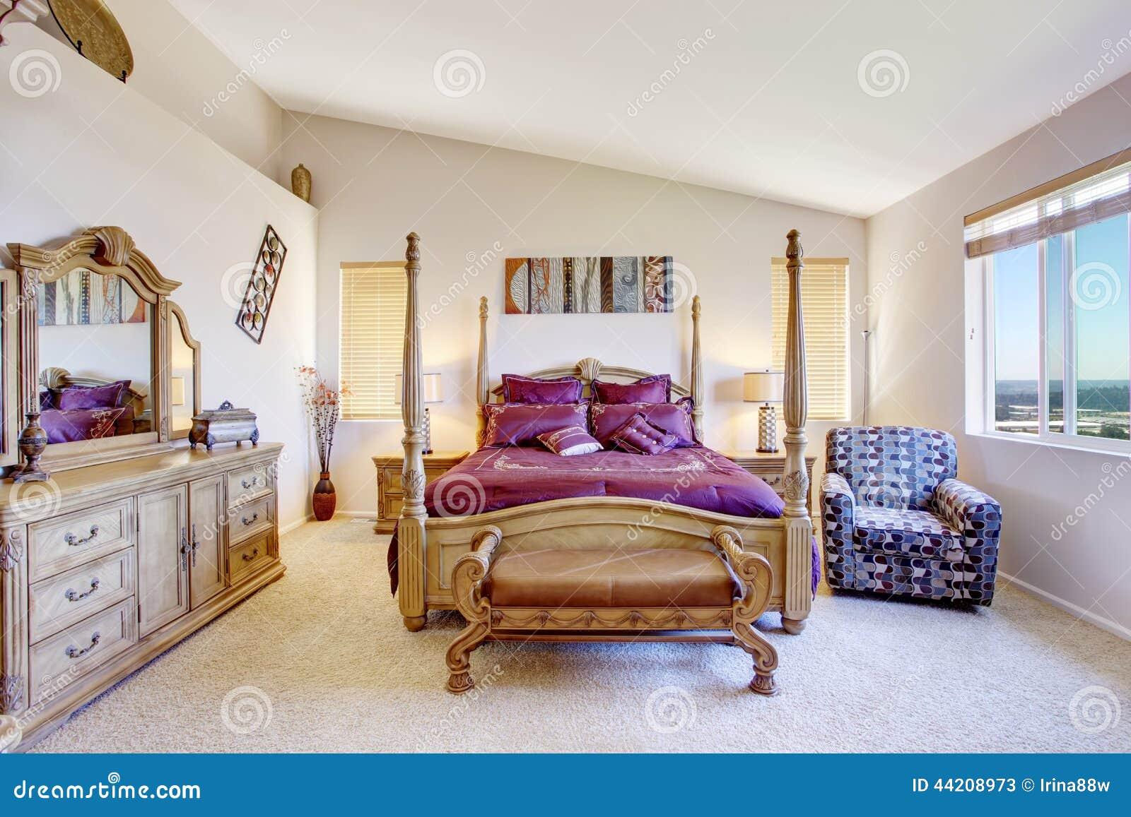 Chambre coucher de luxe avec les meubles en bois Les chambre a coucher en bois