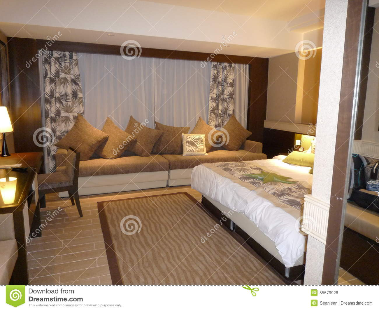 chambre coucher de luxe d 39 h tel photo stock image 55579928. Black Bedroom Furniture Sets. Home Design Ideas