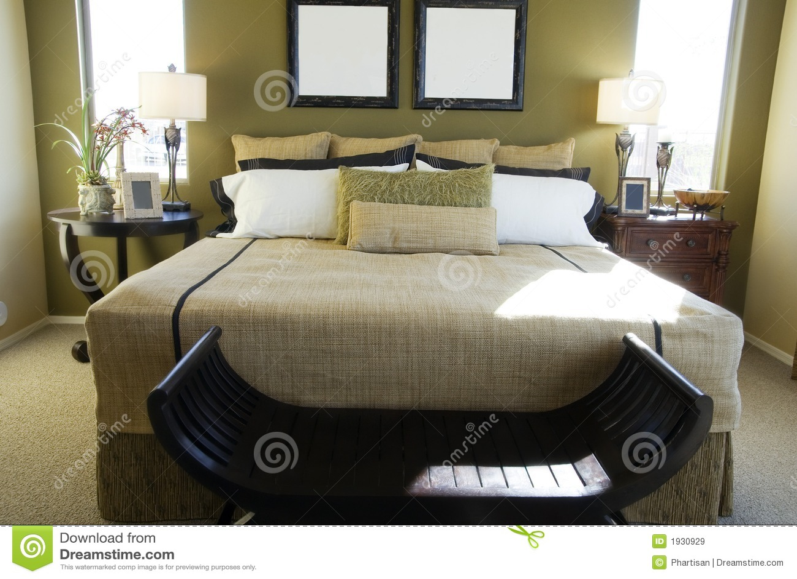 Chambre coucher de luxe moderne images libres de droits for Chambre de luxe moderne
