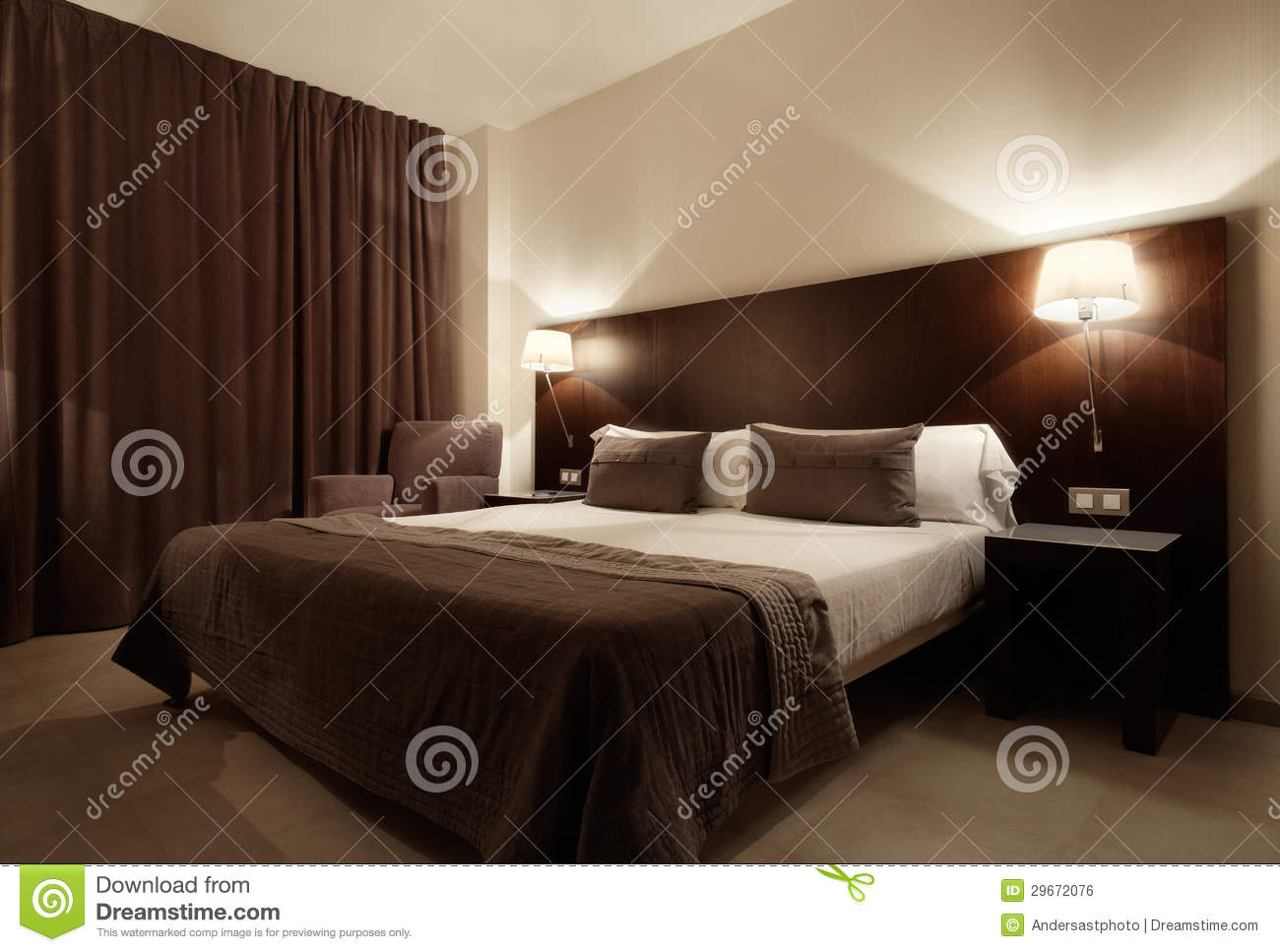Chambre coucher de luxe moderne photo stock image du for Photo de chambre a coucher