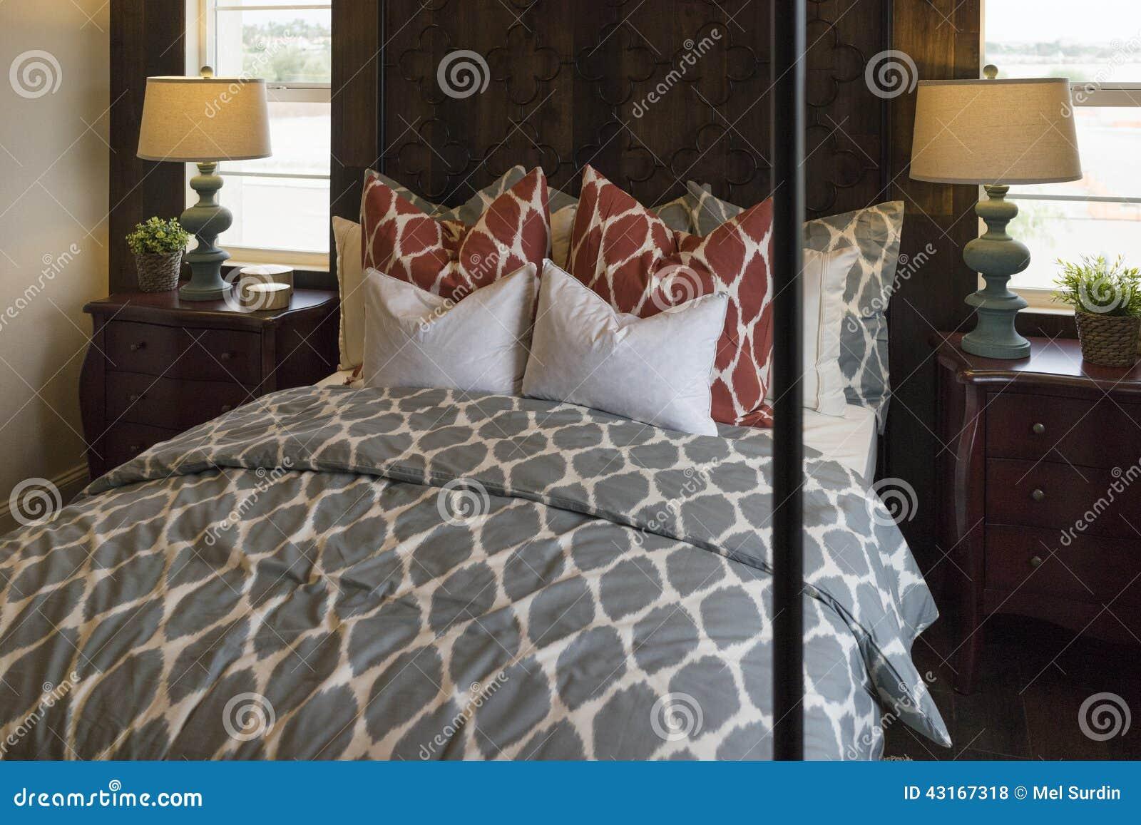 Chambre coucher de maison mod le photo stock image for Des modeles de chambre a coucher