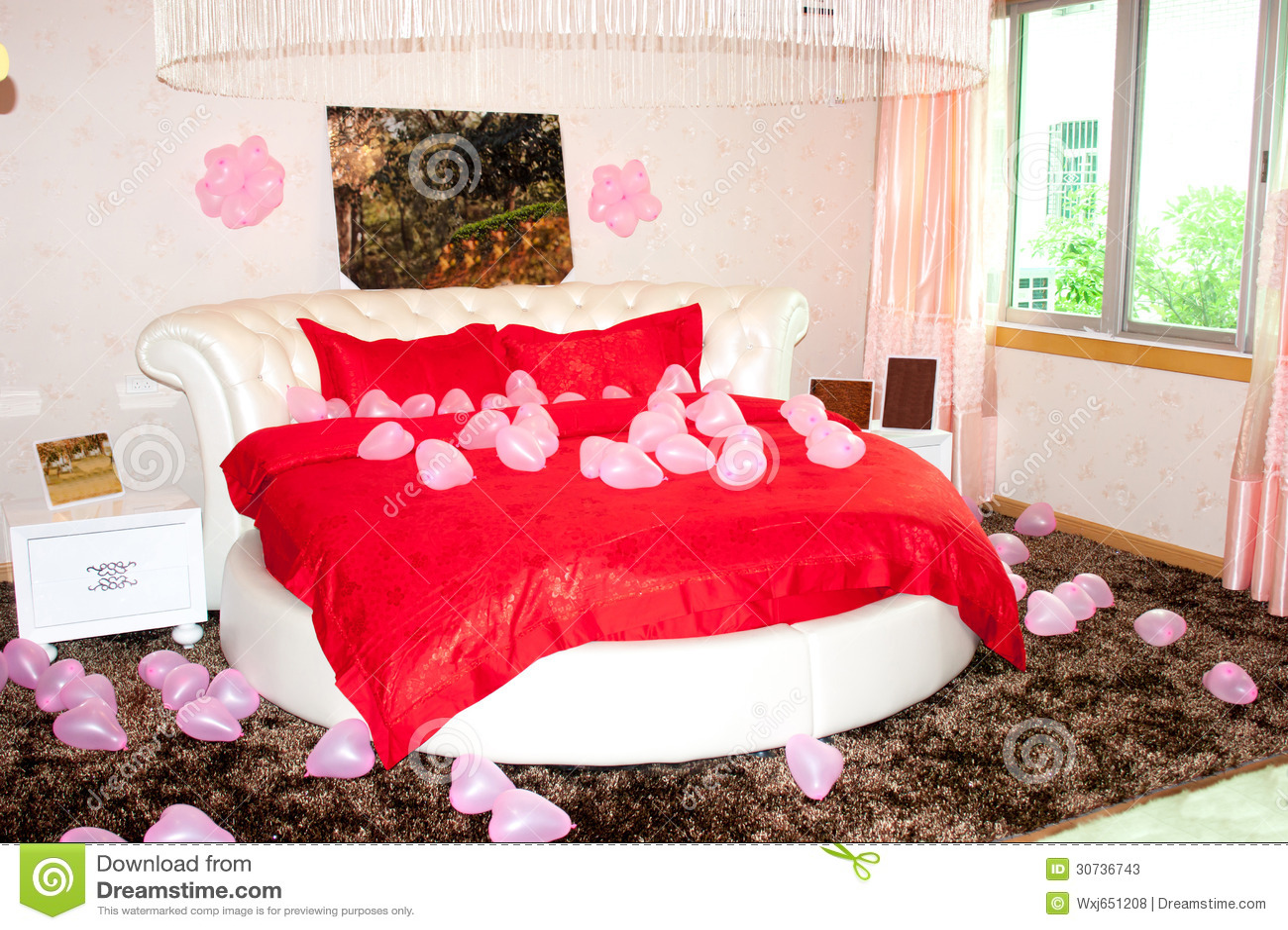 Chambre coucher de mariage photos stock image 30736743 for Chambre de coucher