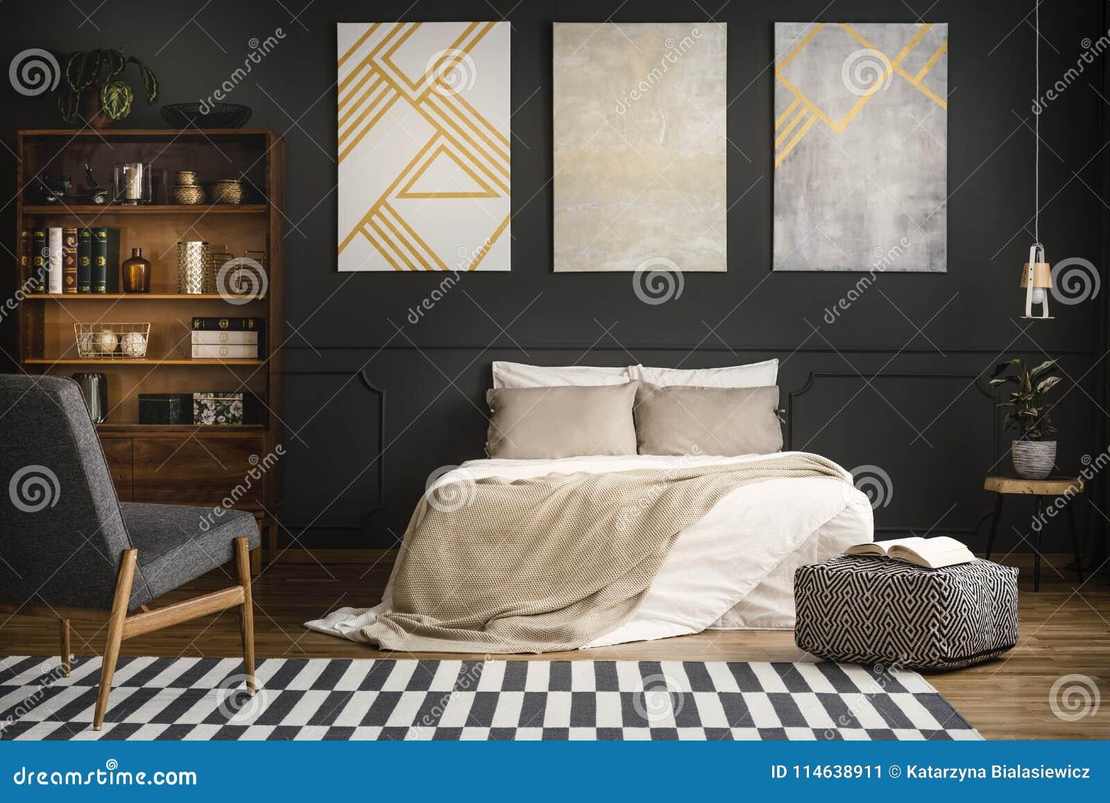 Chambre à Coucher En Bois Moderne Image stock - Image du ...