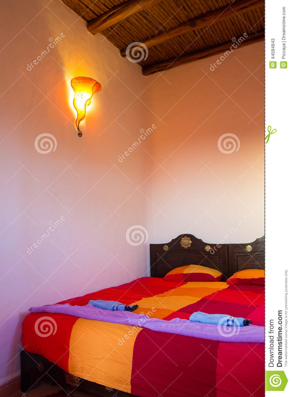 Chambre a coucher traditionnelle marocaine for Photo chambre a coucher marocaine