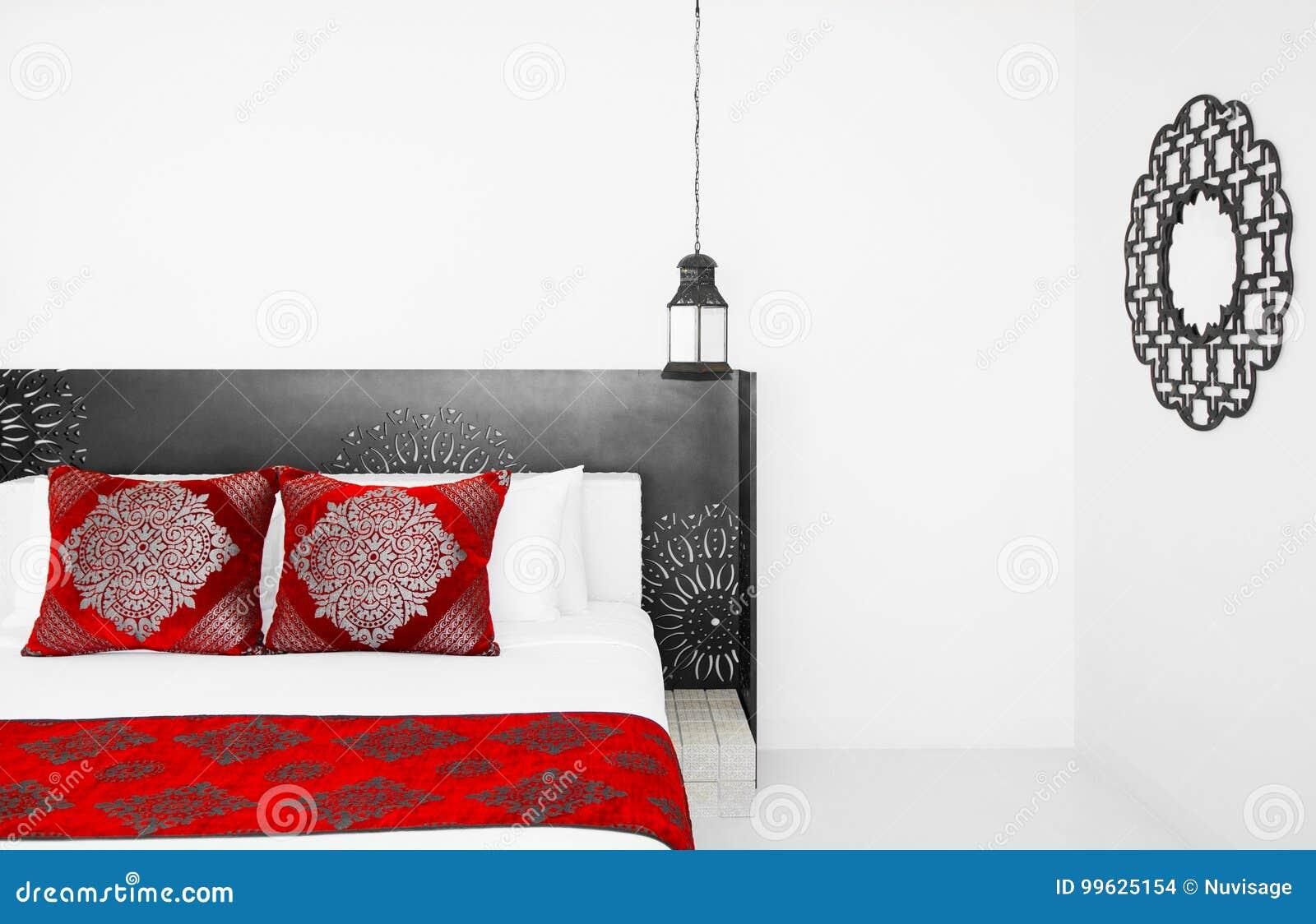 8 Juin 2012 Hua Hin, Thaïlande : Chambre à Coucher Marocaine De Style,  Détails Marocains De Décoration Avec Le Tissu Coloré Et Lampes