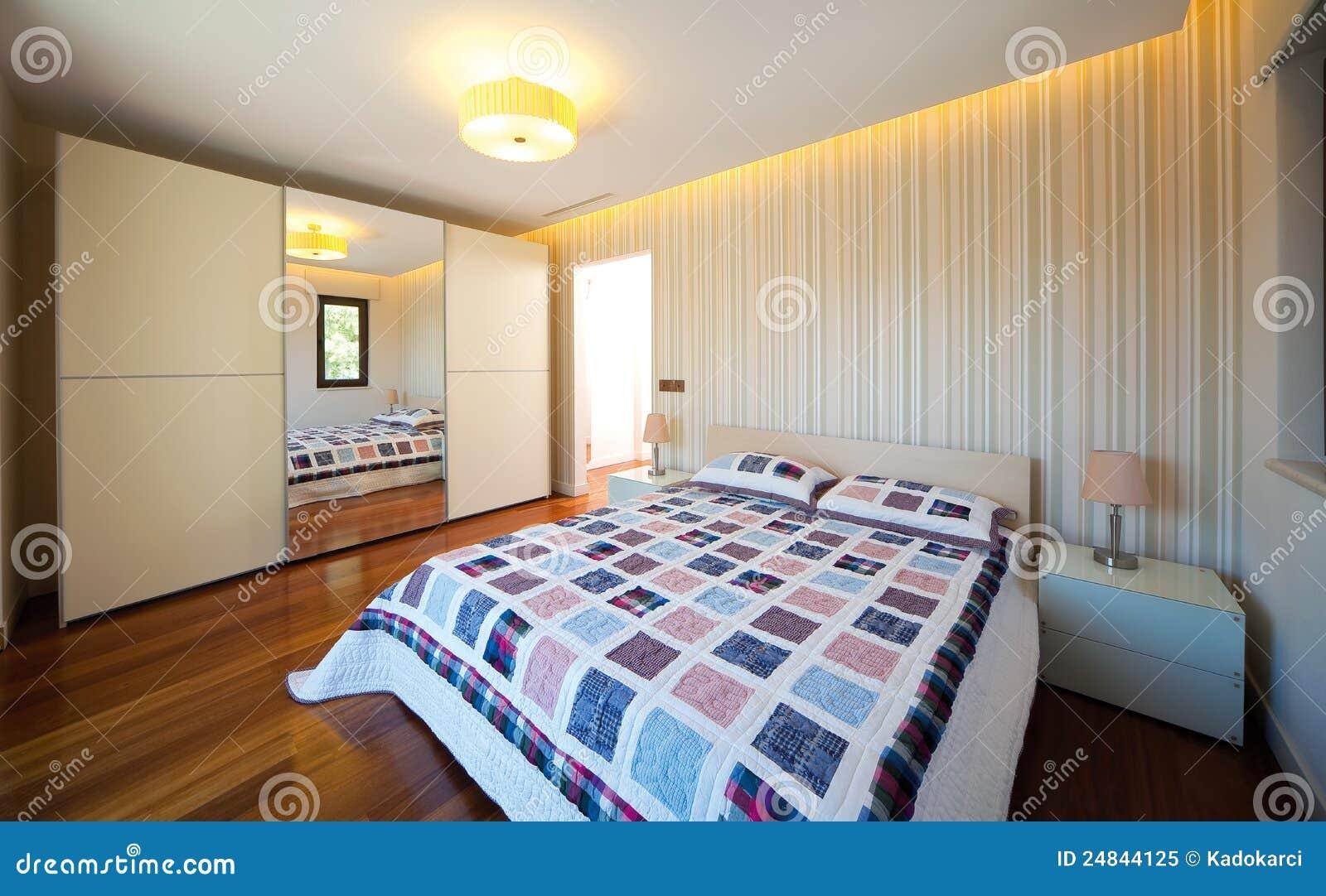 Chambre coucher moderne for Chambre libre
