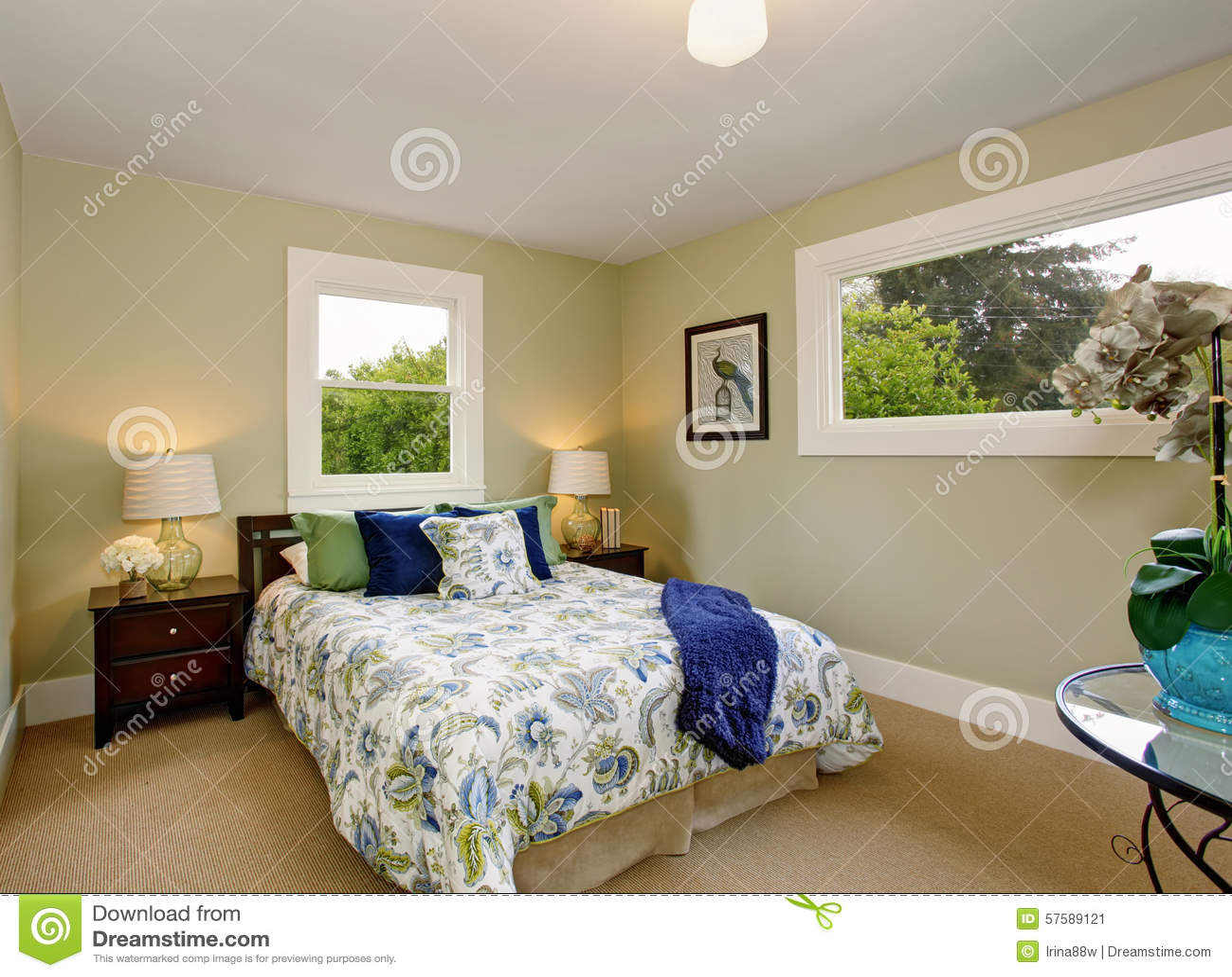 chambre coucher moderne avec le d cor int rieur vert et bleu image stock image du indoors. Black Bedroom Furniture Sets. Home Design Ideas