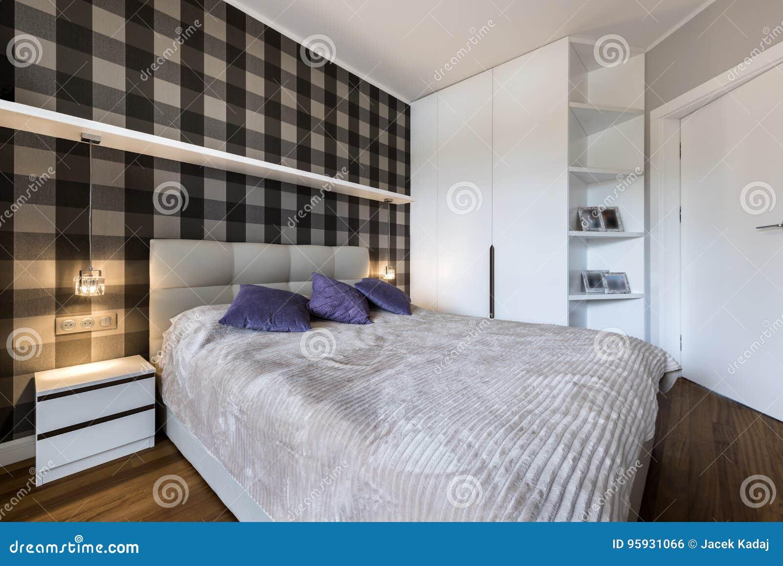 Chambre A Coucher Moderne Avec Le Modele De Controleur Photo Stock