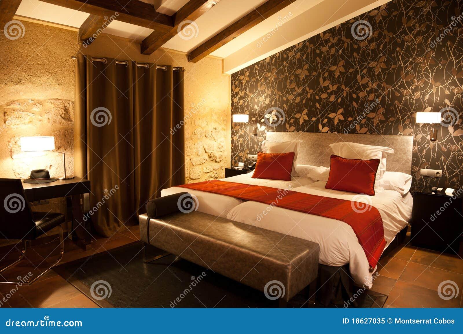 Chambre à Coucher Moderne De Mansarde Photo libre de
