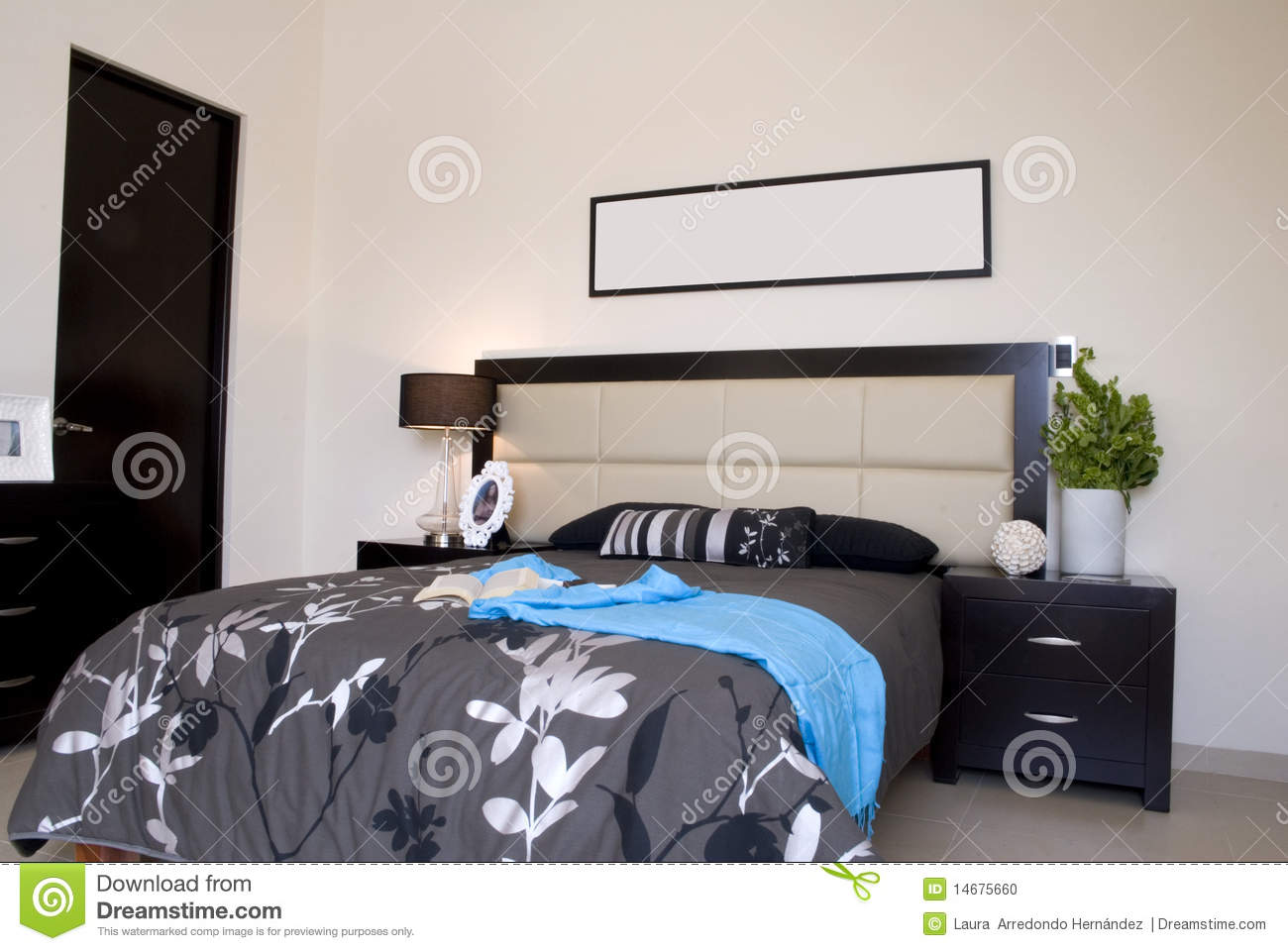 chambre coucher noire photo stock image 14675660. Black Bedroom Furniture Sets. Home Design Ideas