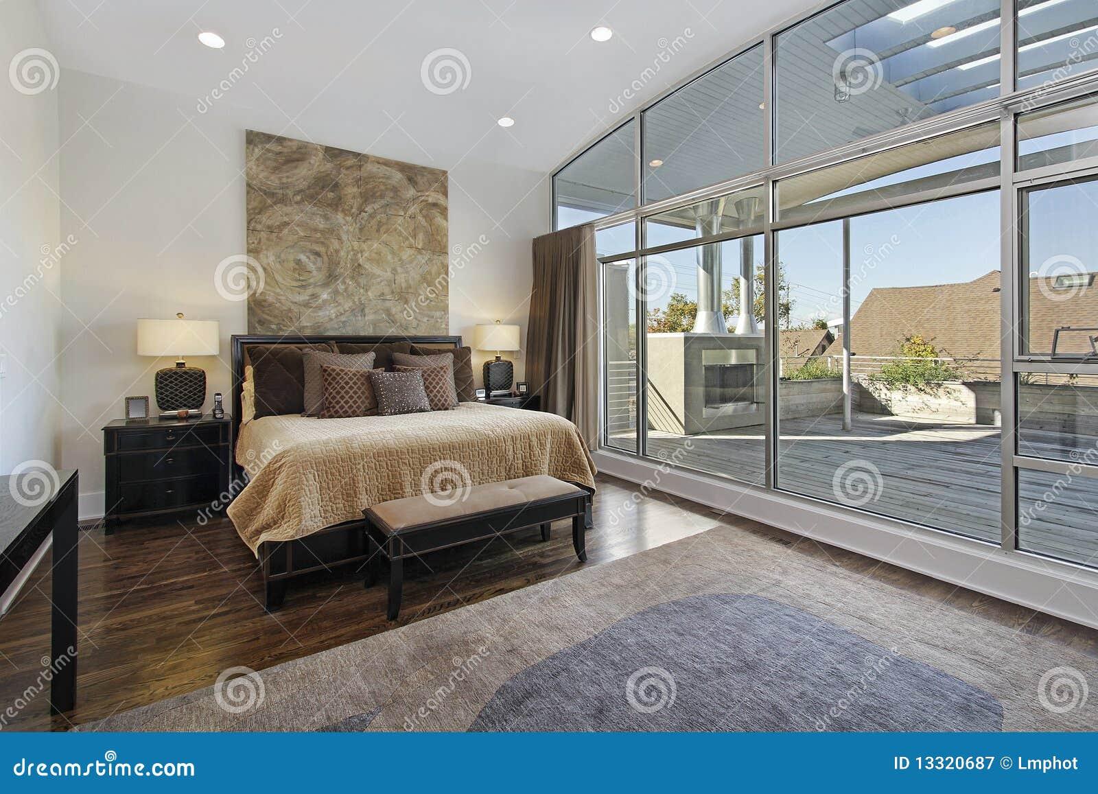 Chambre à coucher principale avec le grand paquet