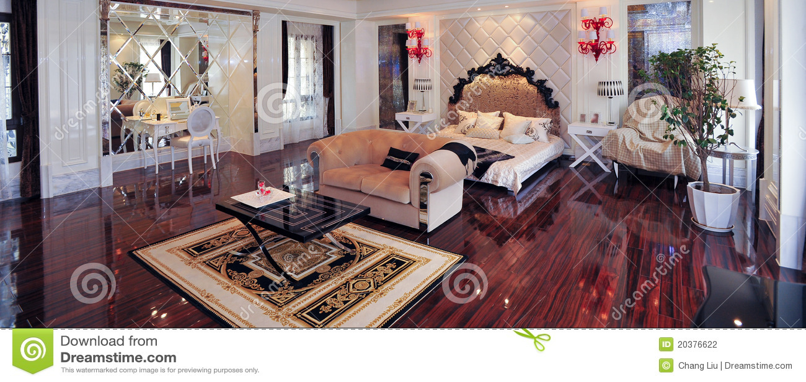 Chambre à Coucher Royale Européenne Photo stock - Image du ...