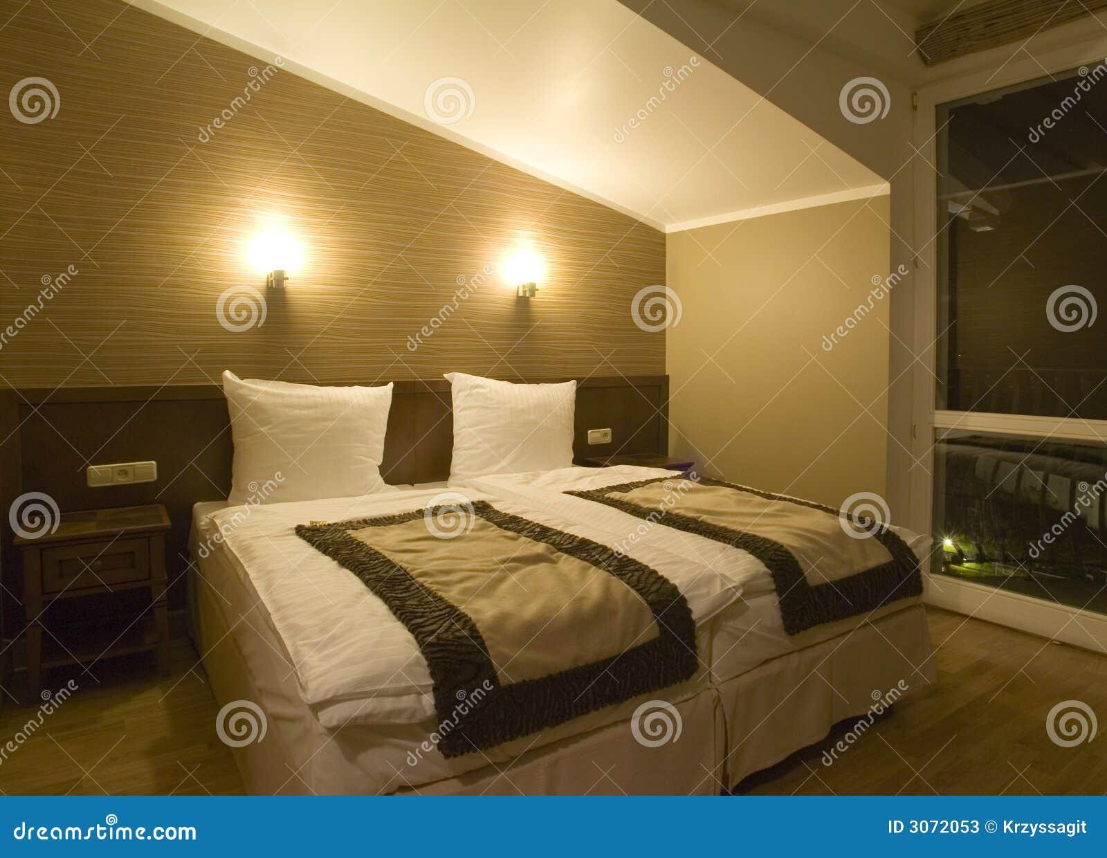 chambre coucher simple. Black Bedroom Furniture Sets. Home Design Ideas