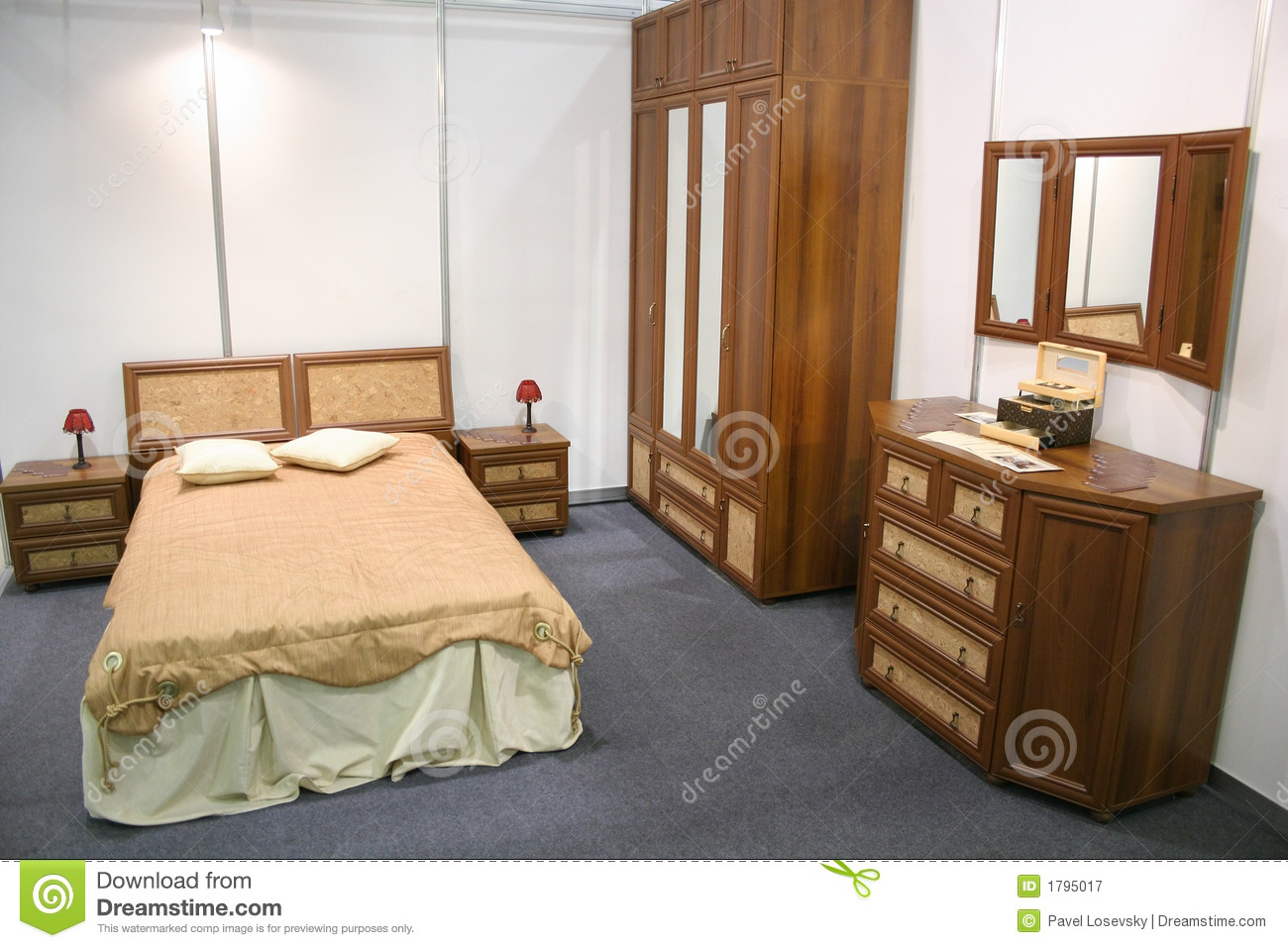 chambre a coucher en bois senegal. Black Bedroom Furniture Sets. Home Design Ideas