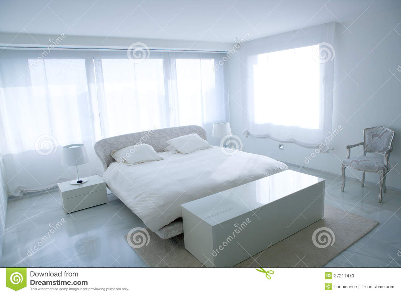 Maison moderne blanche for Chambre a coucher blanche